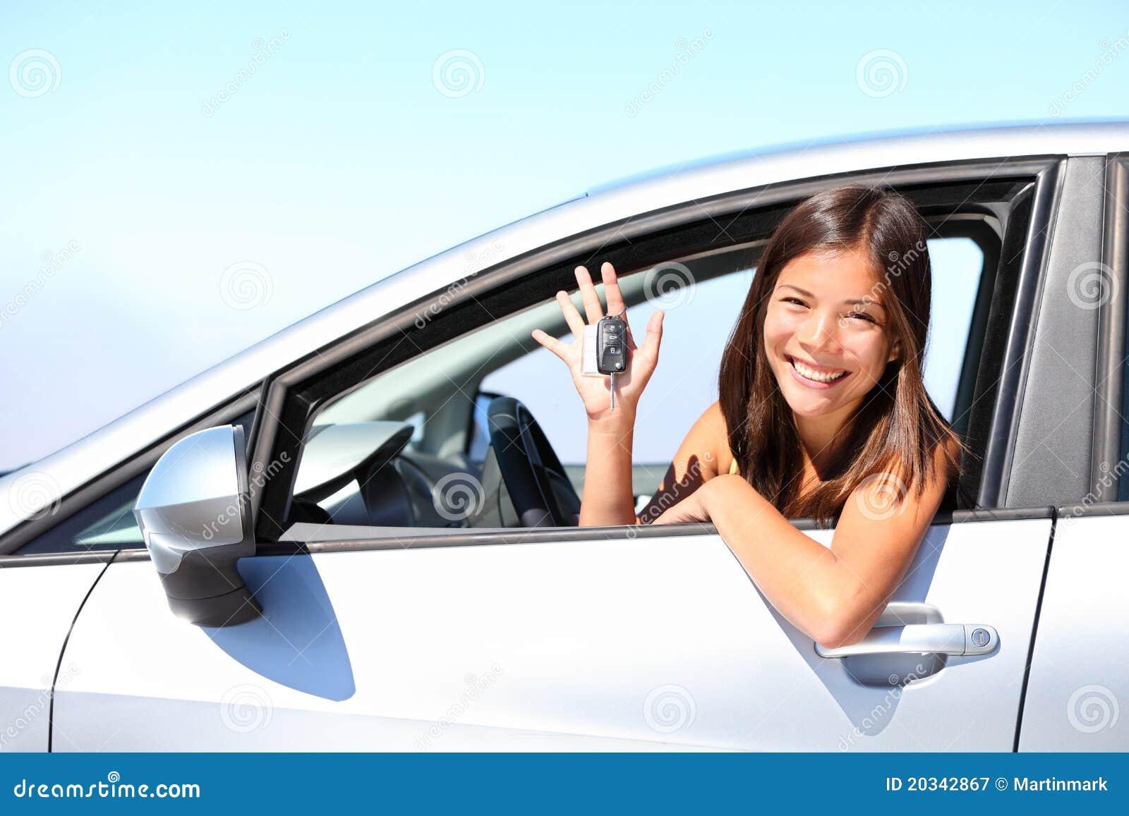 Femme de gestionnaire de véhicule
