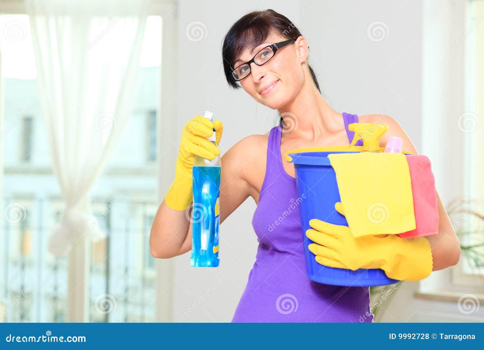 femme de nettoyage de m nage photos libres de droits image 9992728. Black Bedroom Furniture Sets. Home Design Ideas