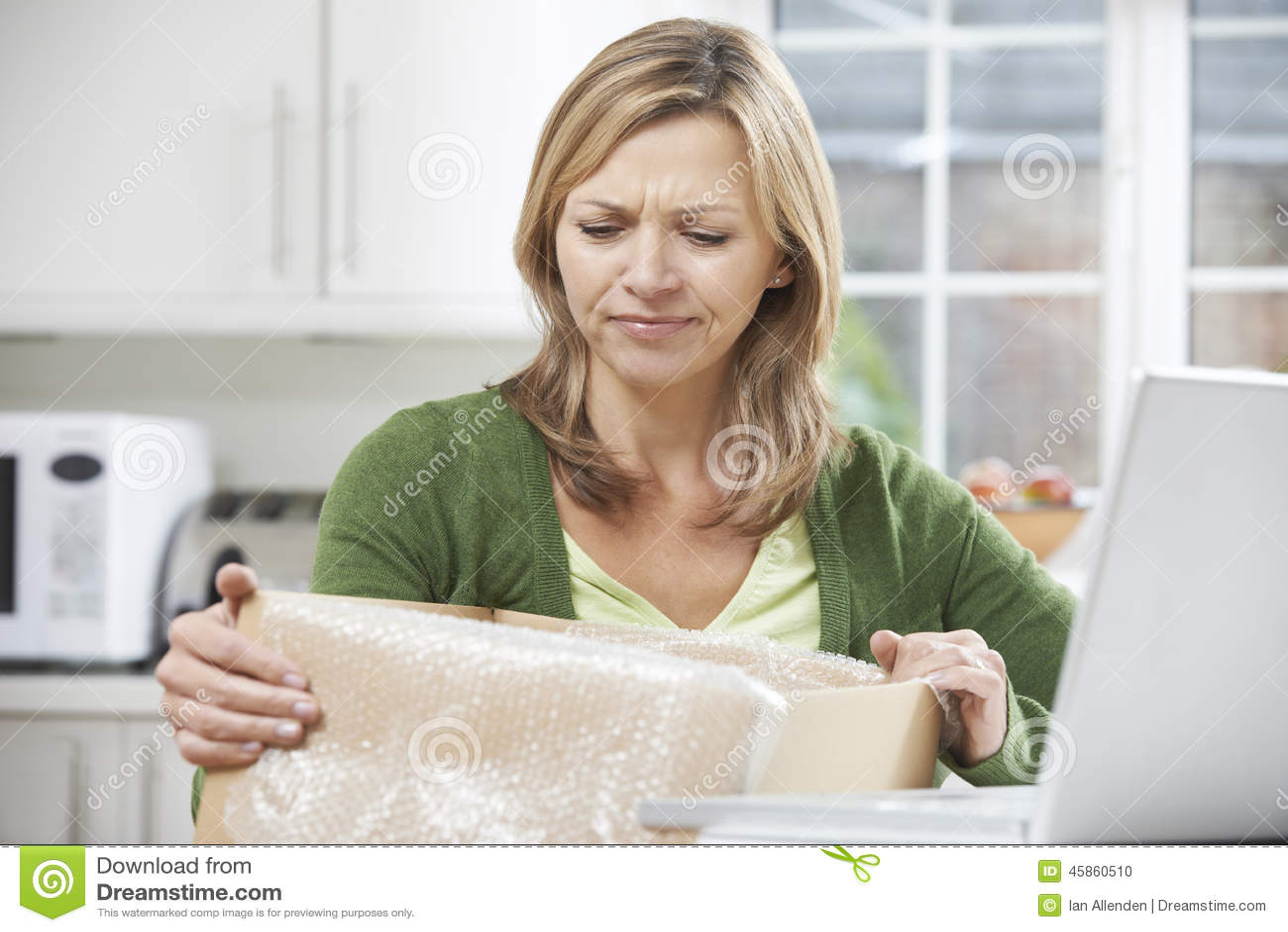 Femme d ue d ballant l 39 achat en ligne la maison photo - Tout pour la maison en ligne ...