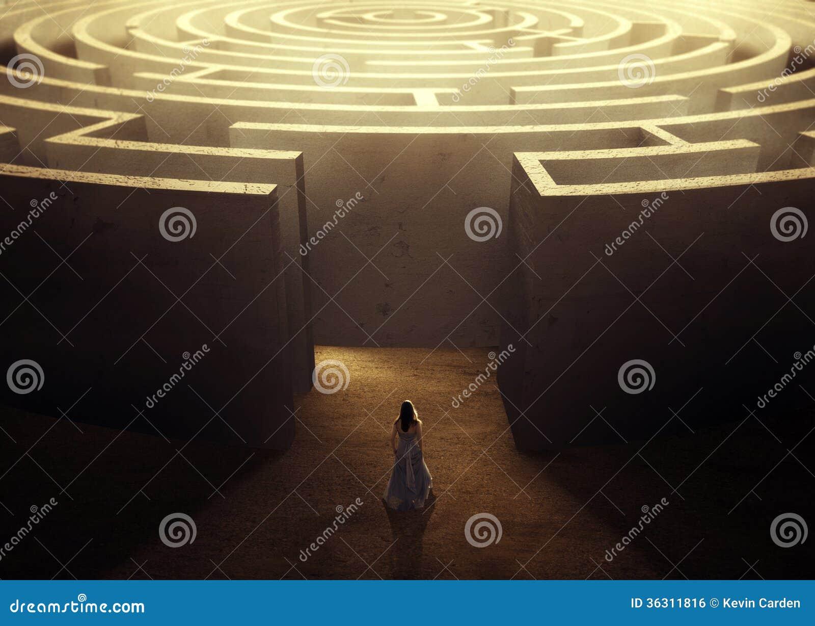 Femme et labyrinthe