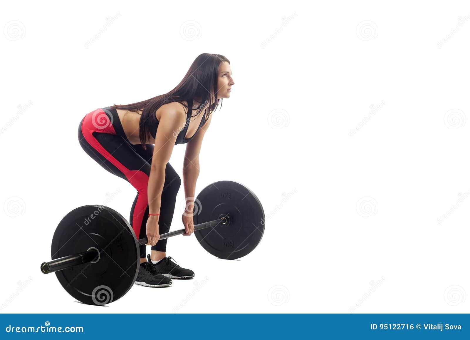 Femme faisant le deadlift