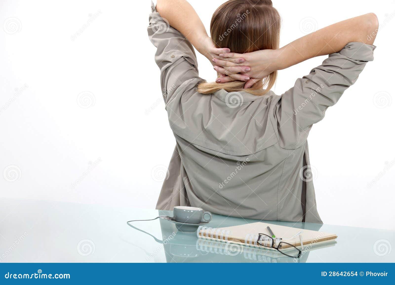 Femme faisant une pause