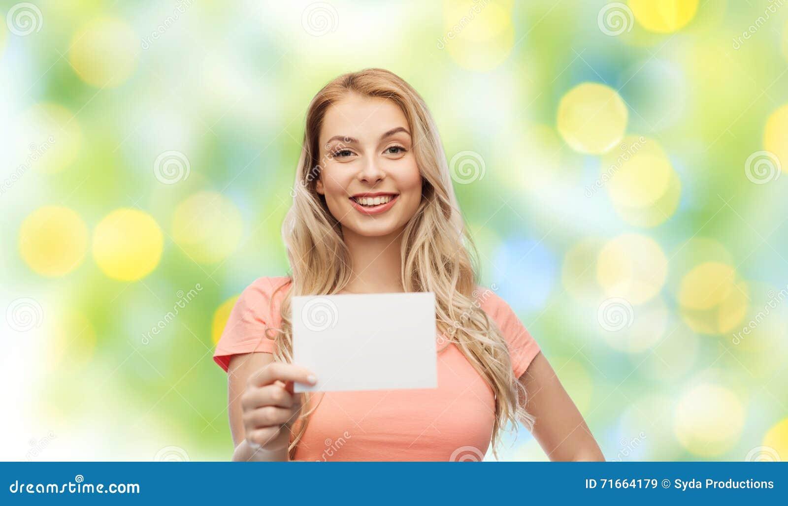 Femme Ou Fille Heureuse D Ado Avec Le Livre Blanc Vide Image