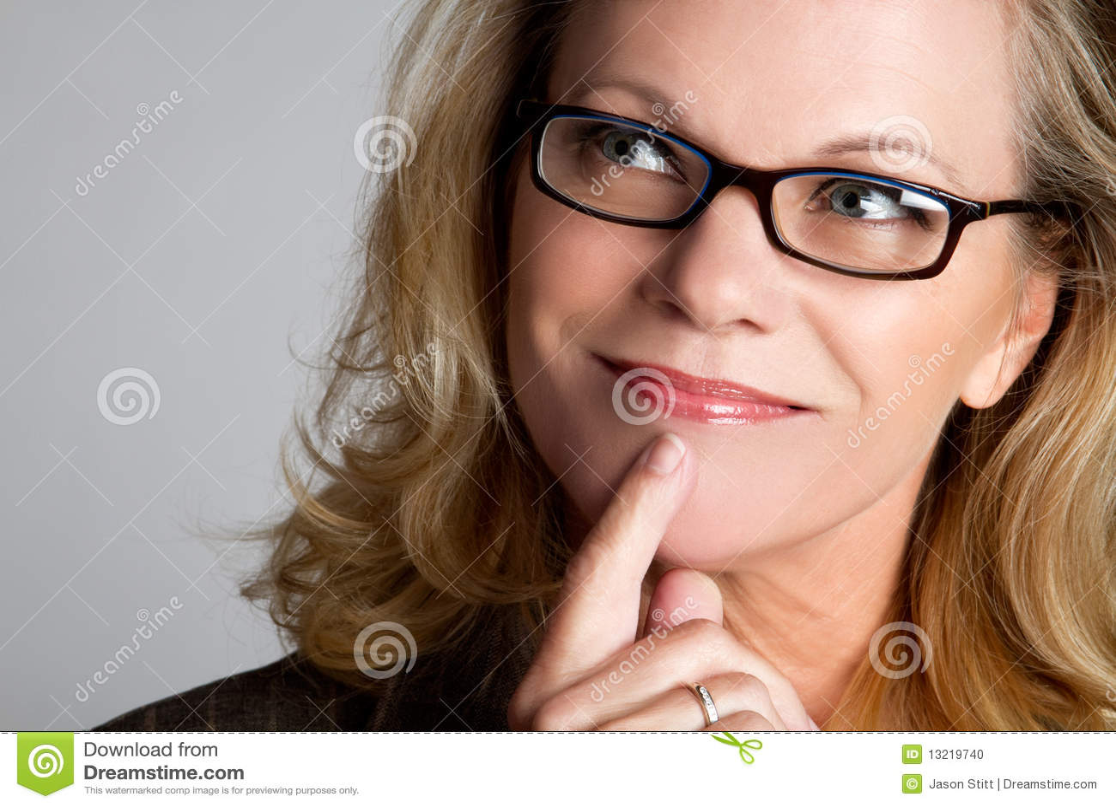 Femme pensante d affaires