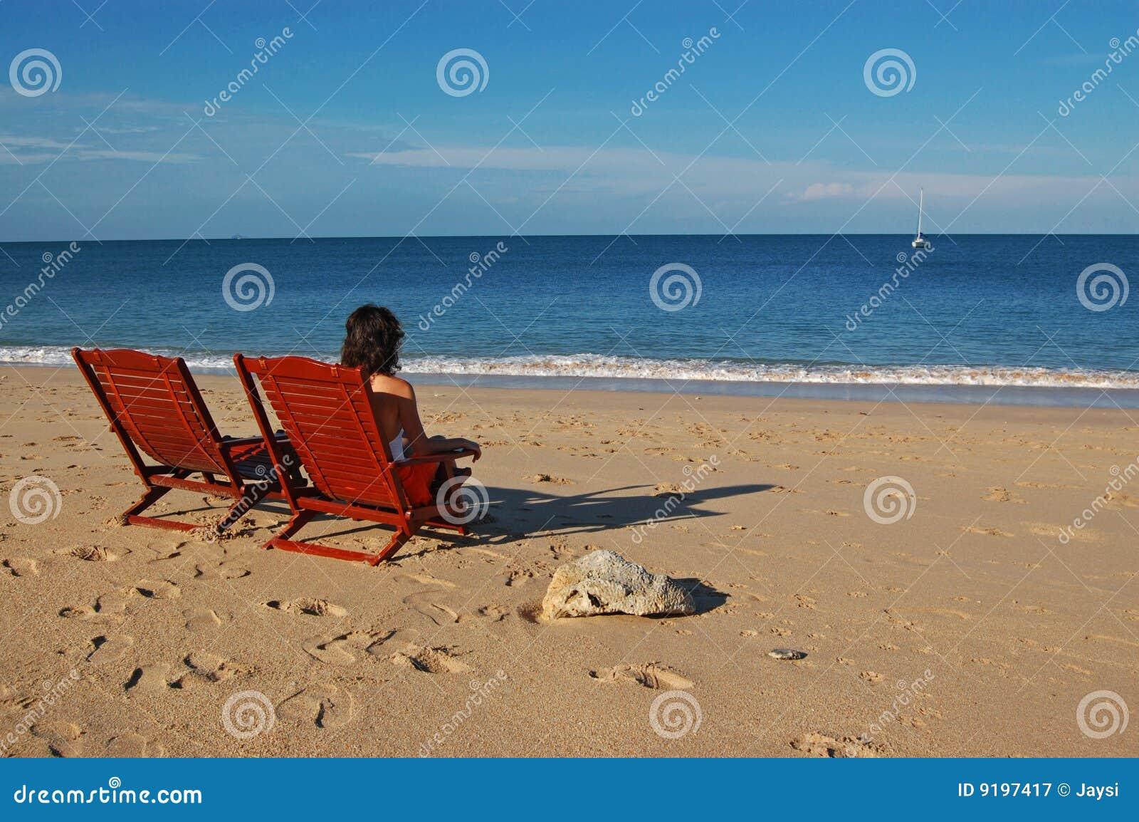 Femme seul sur la plage