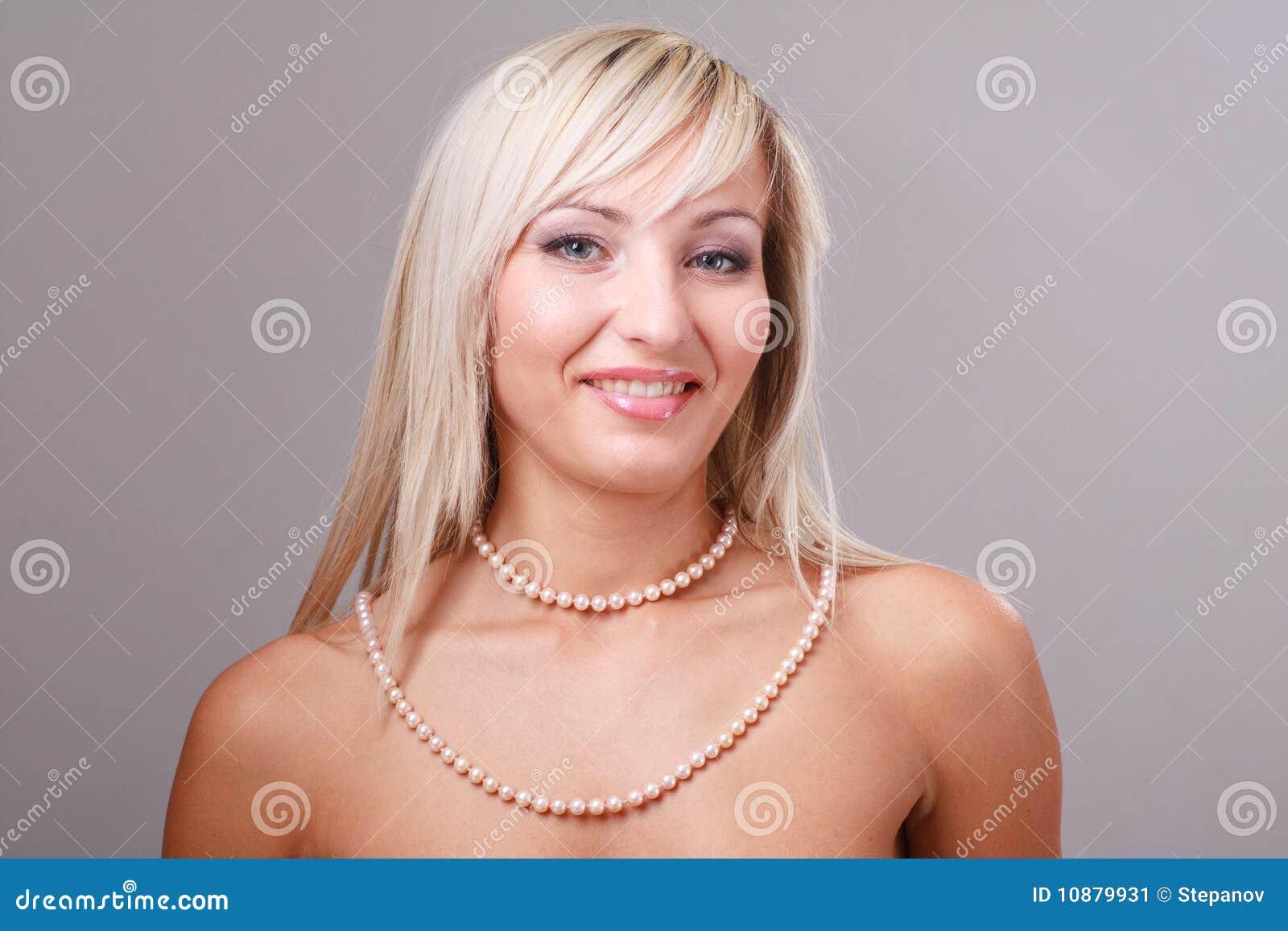 femme sexy collier