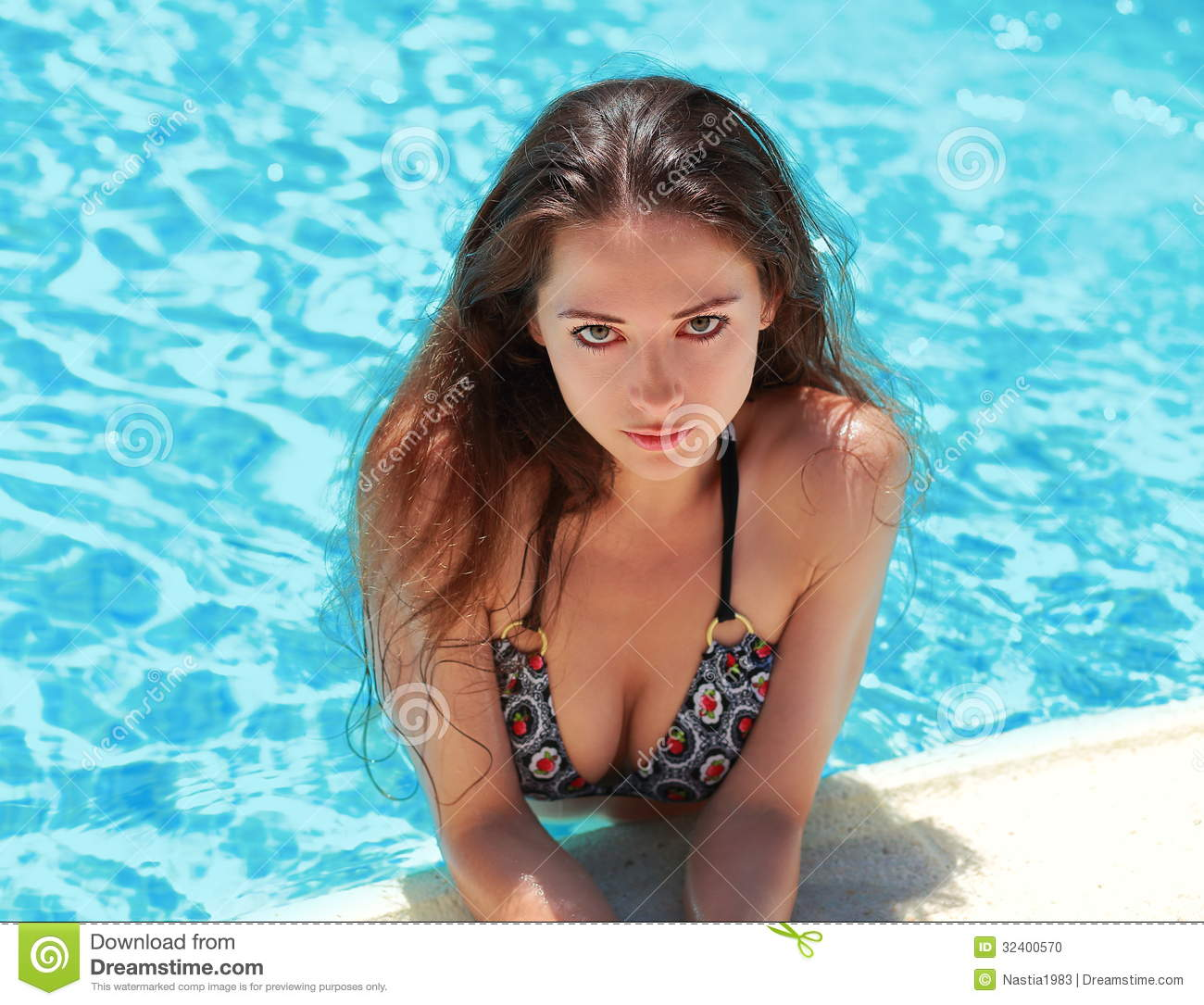 Photos sexy dans la piscine