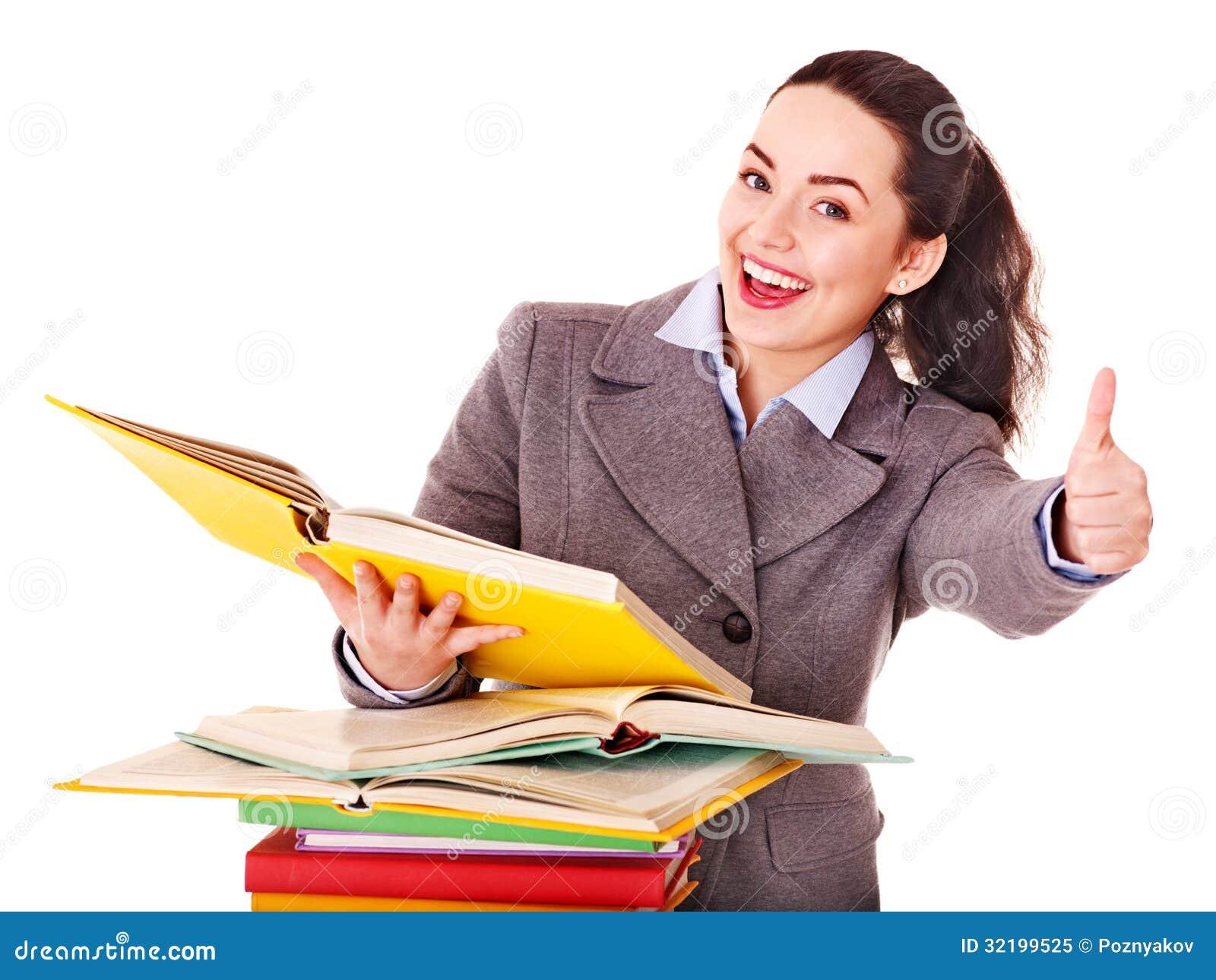 Femme tenant le livre.