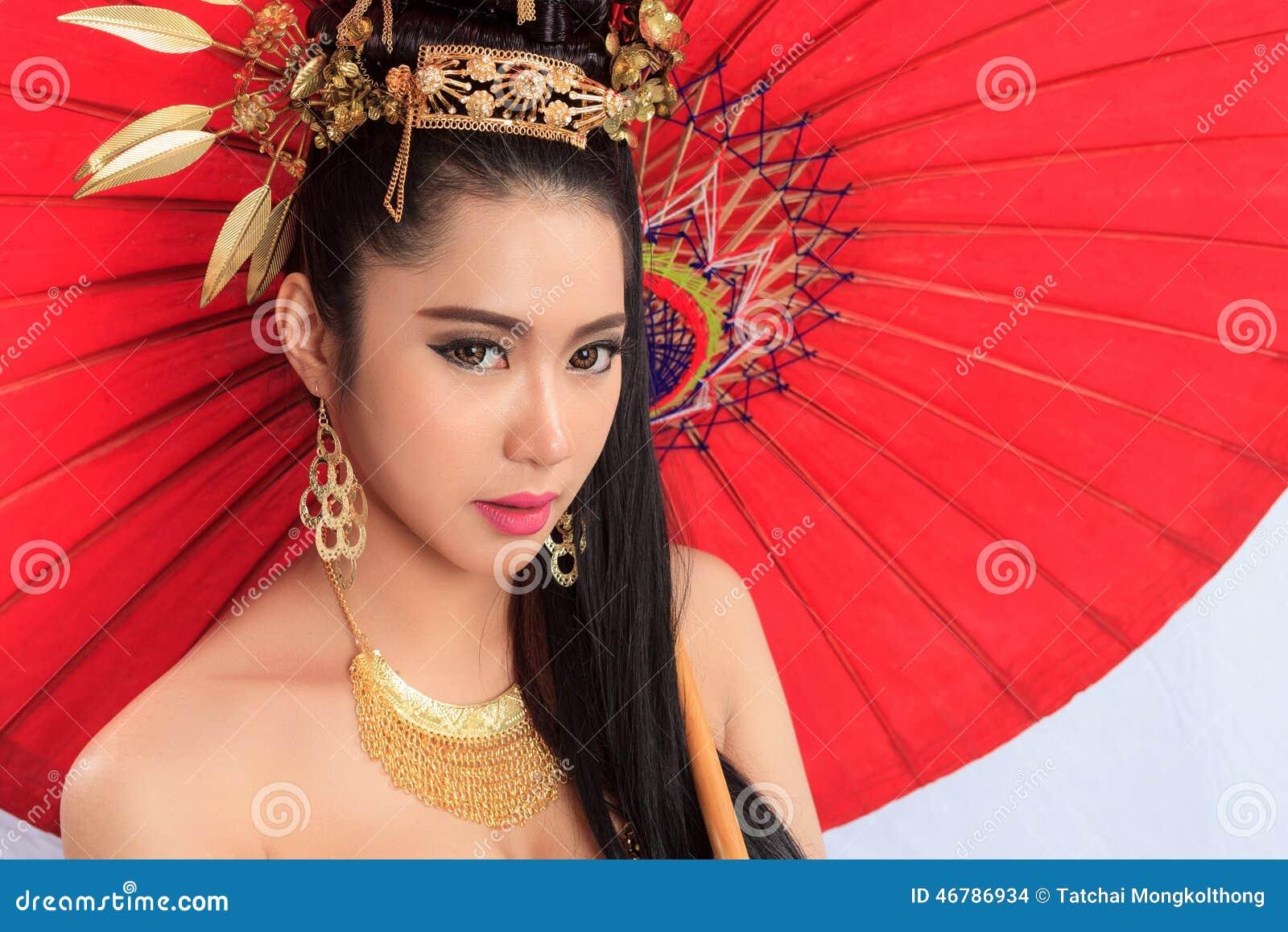Femme Thailandaise Photos femme thaïlandaise dans le costume traditionnel de la thaïlande