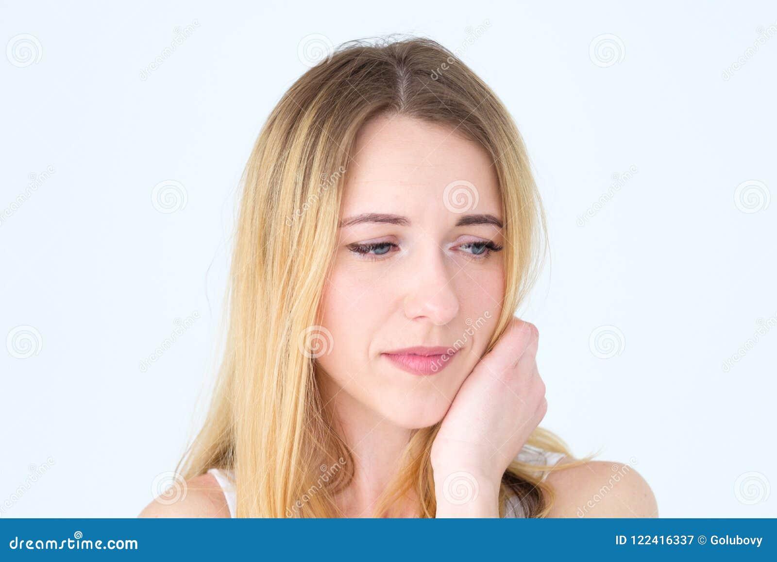 Femme triste frustrante découragée de visage d émotion