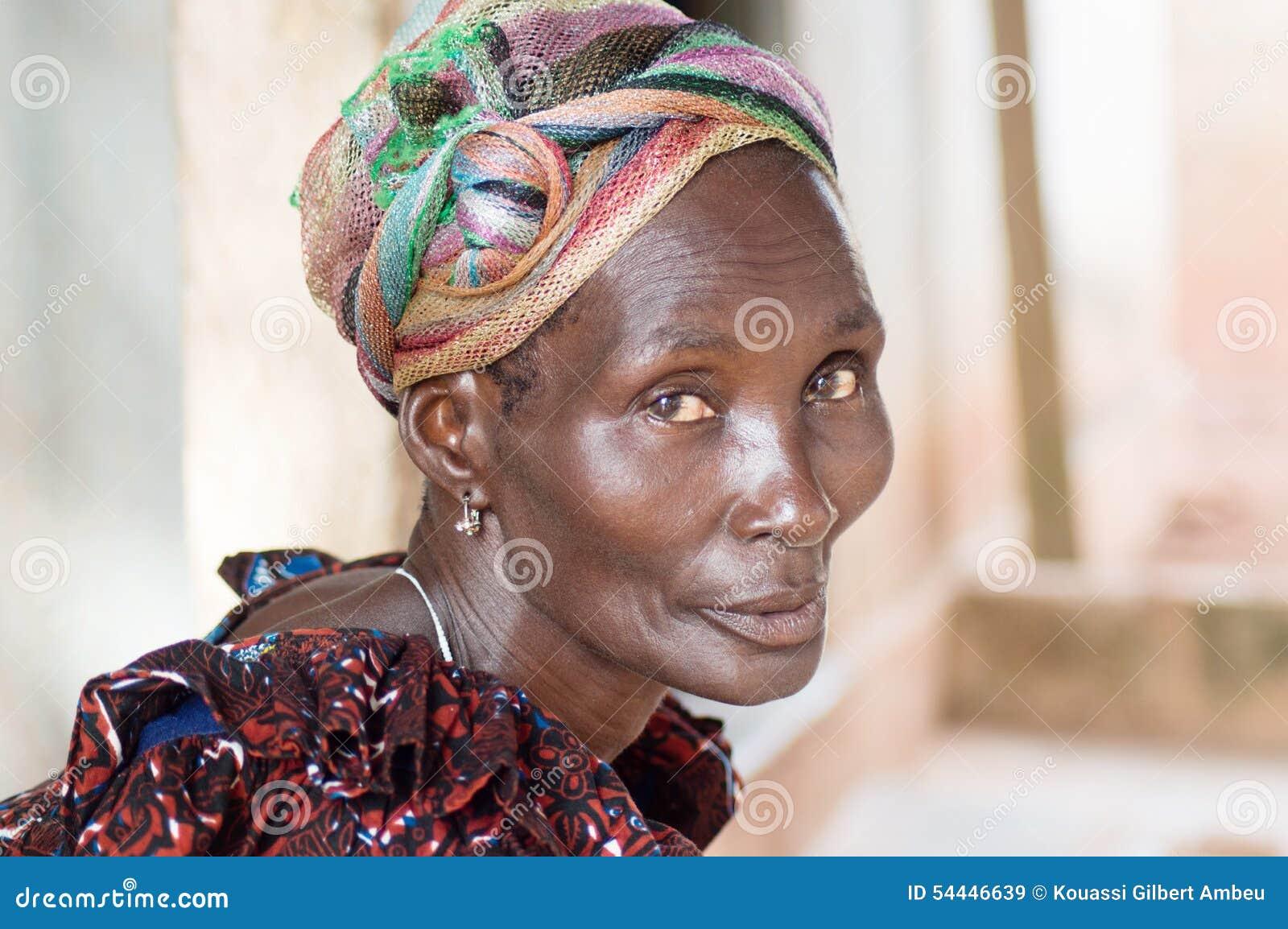 Femmes africaines dans le village