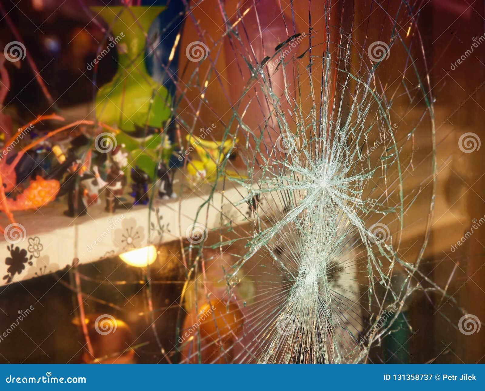 Fenêtre cassée de boutique