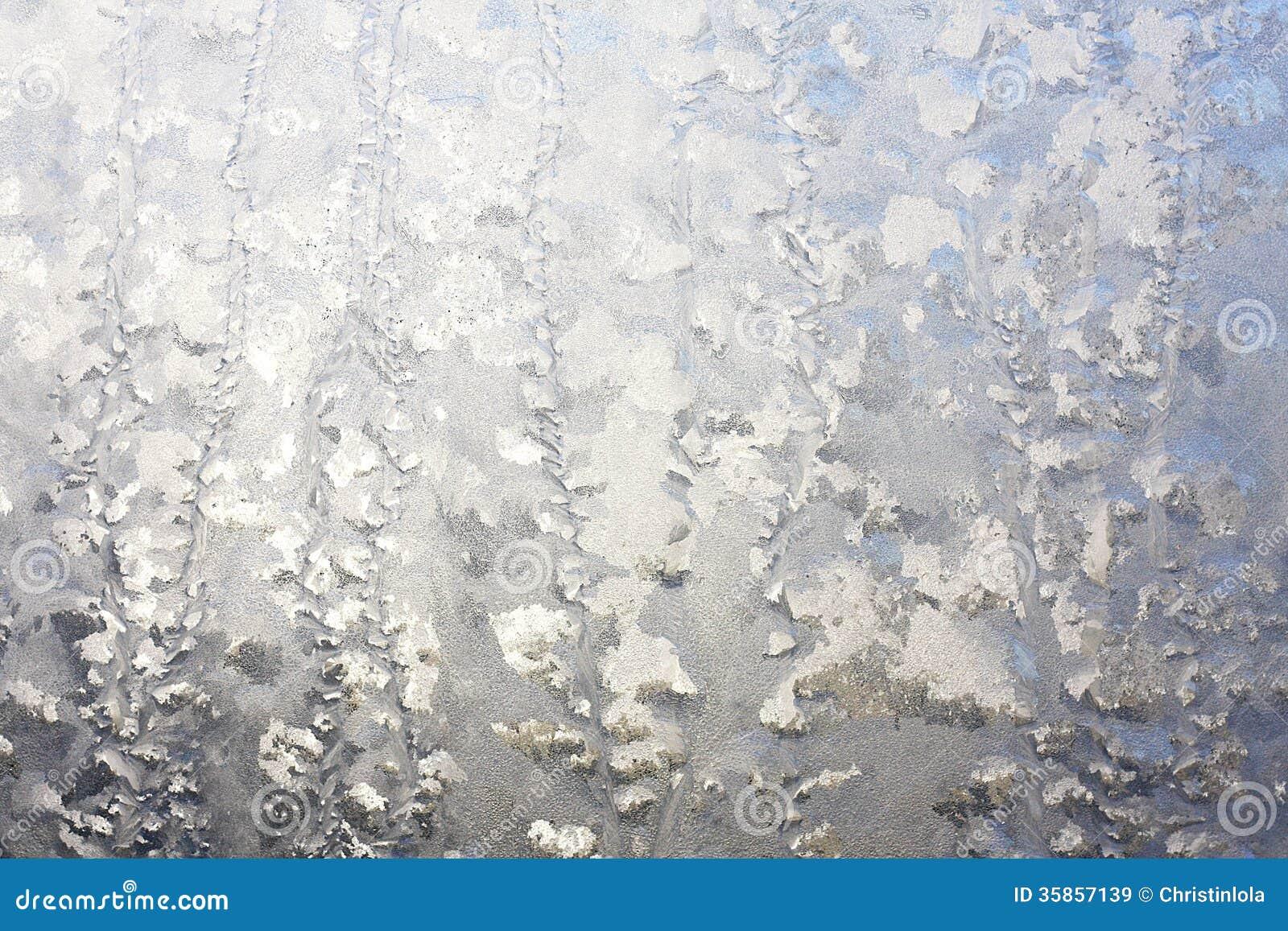 Fen tre givr e l 39 arri re plan d 39 hiver images libres de for Fenetre hiver