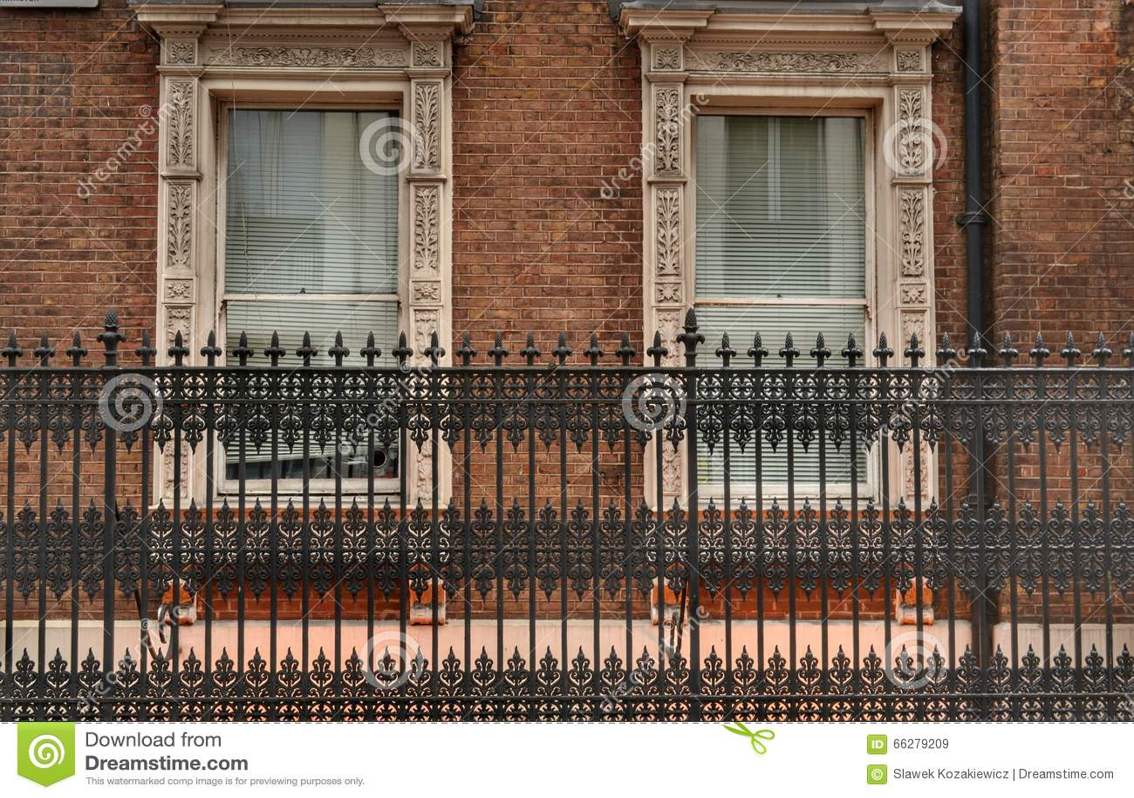 Fenêtres de la barrière deux de fer