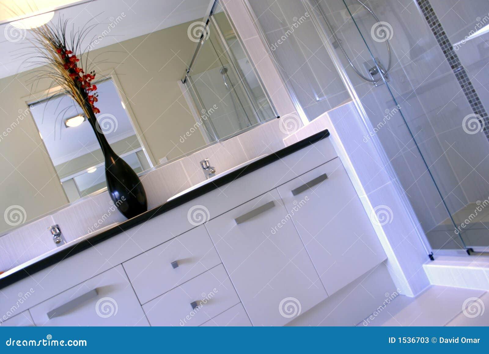 luz natural. Dirige projetado toda com arquitetura de Feng Shui #71321F 1300x957 Banheiro Com Feng Shui