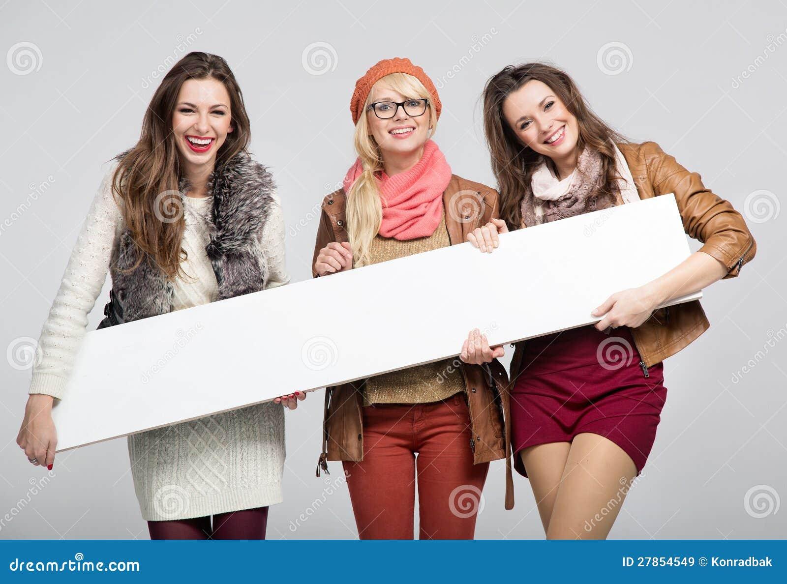 Fenomenalny trzy żeńskiego przyjaciela