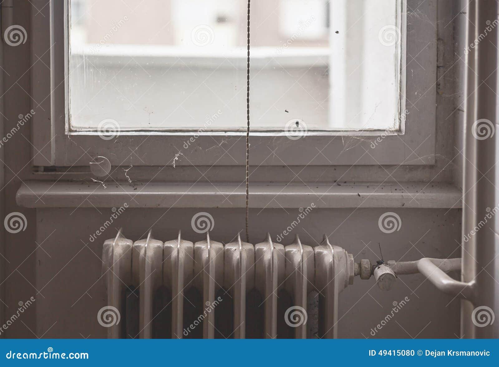 Download Am Fenster stockfoto. Bild von illustrativ, haushalt - 49415080