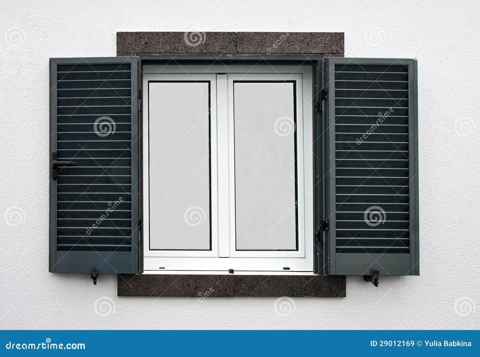 fenster mit offenen fensterl den stockbild bild von wand geschlossen 29012169. Black Bedroom Furniture Sets. Home Design Ideas