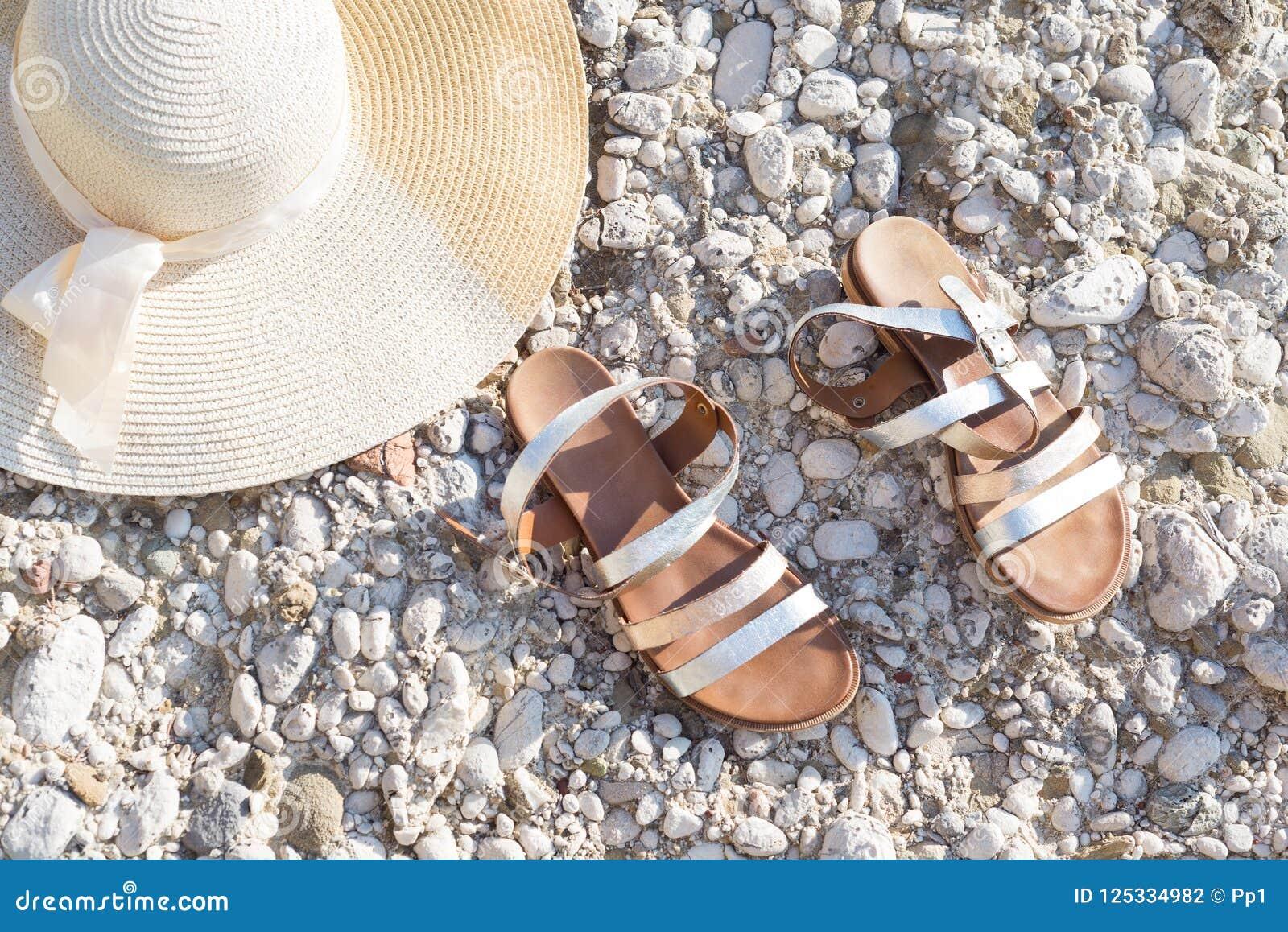 Ferie för strand för skor för sandal för sommarsugrörhatt lägenhet-lekmanna-