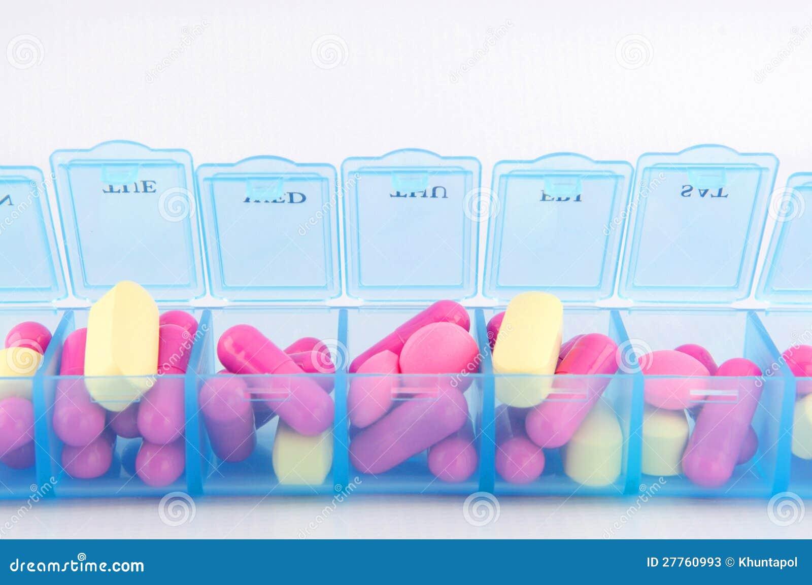Fermé vers le haut de la capsule et des tablettes dans le cadre quotidien de pillule