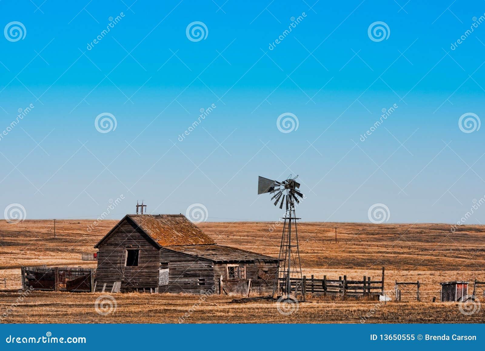 Ferme abandonnée de prairie