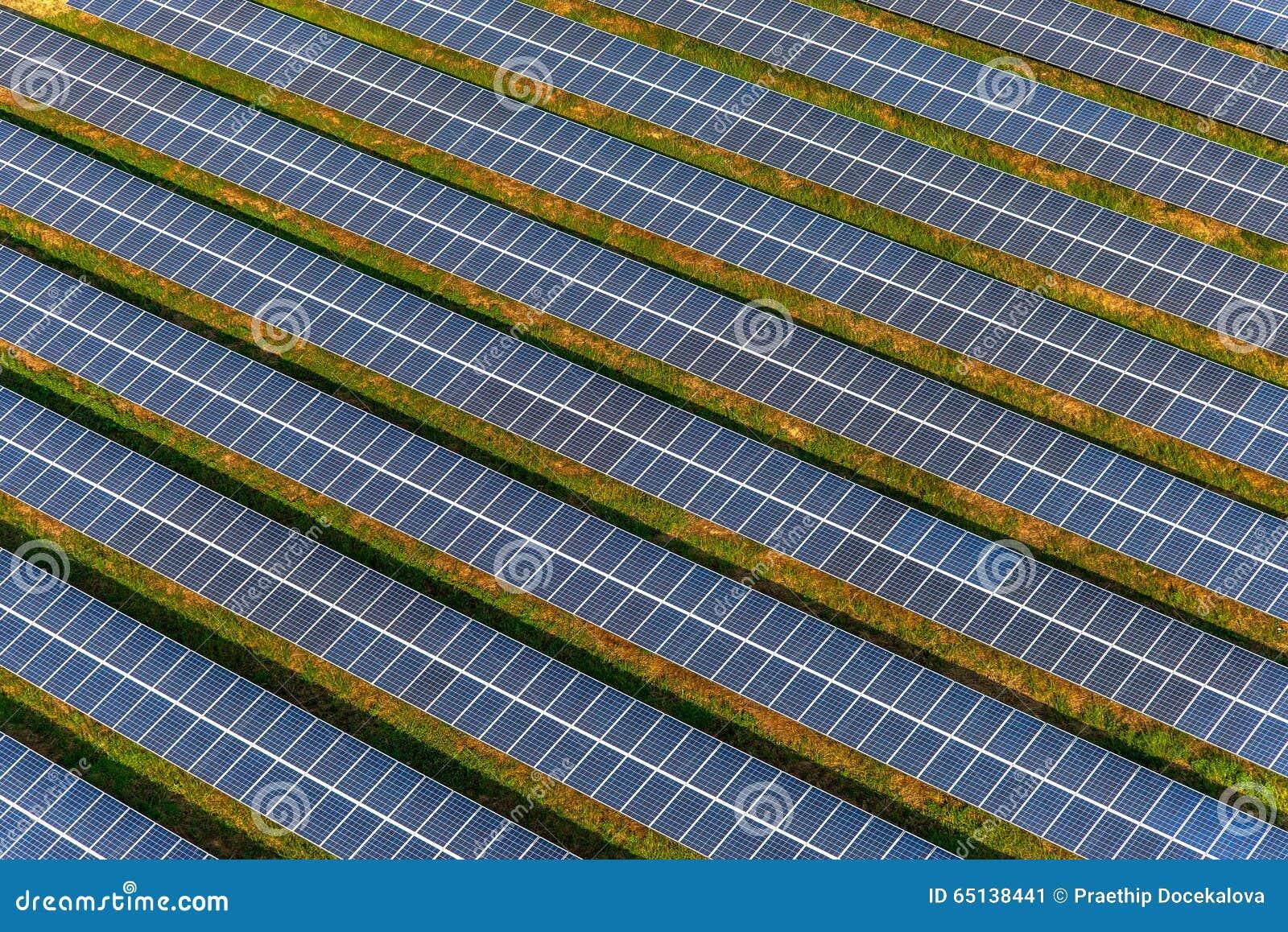 Ferme solaire, panneaux solaires d air