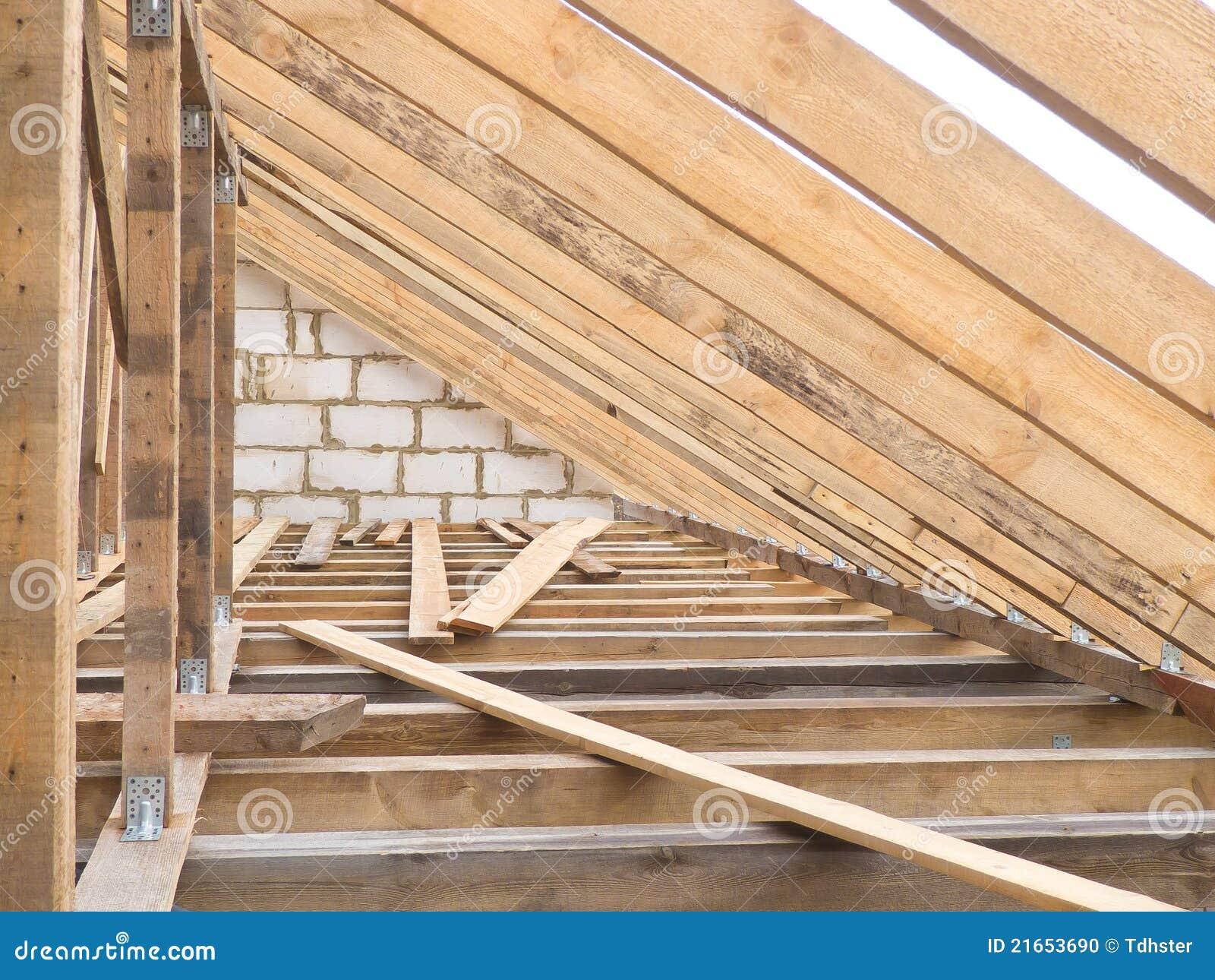 Fermes en bois de toit