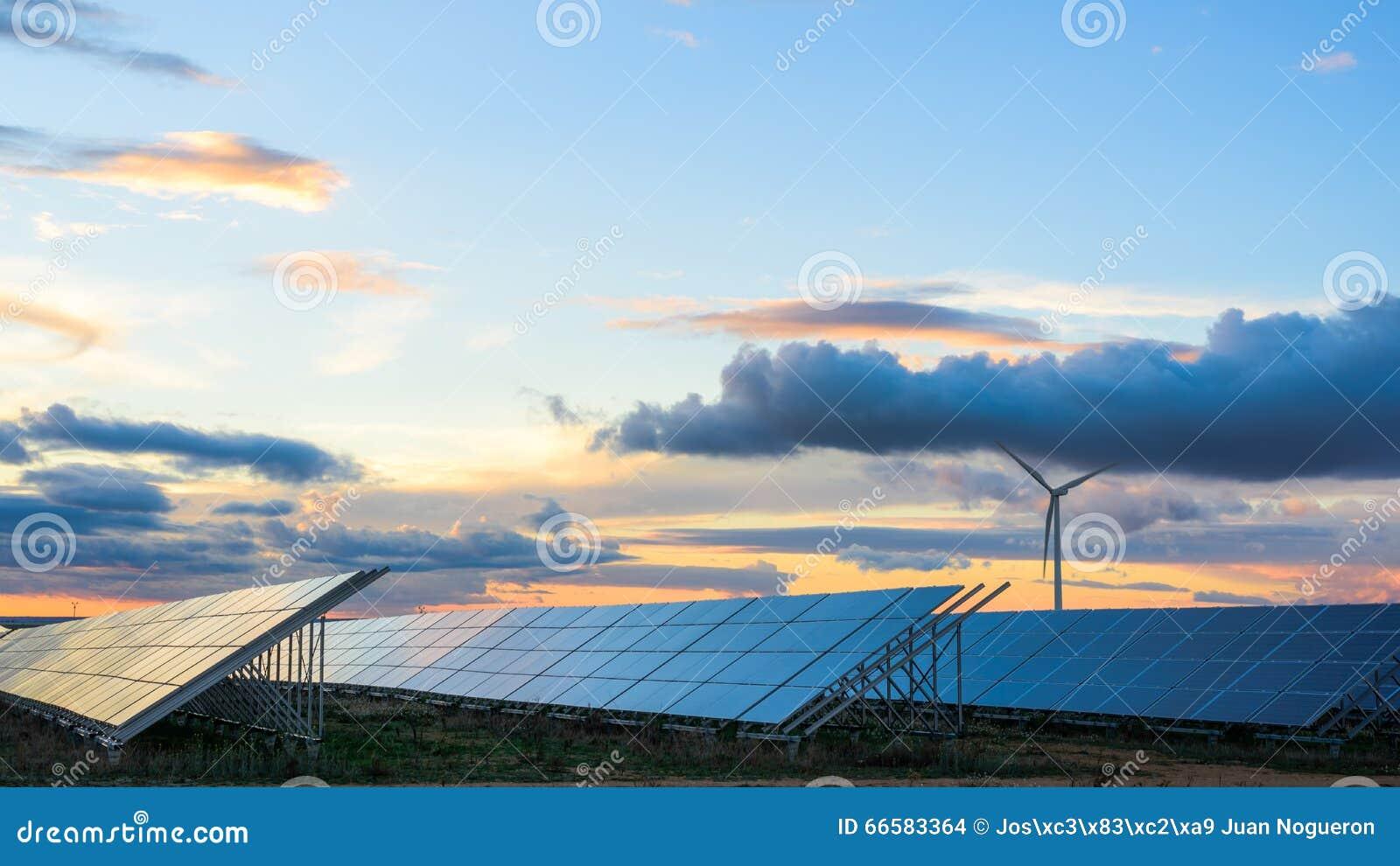 Fermes photovoltaïques et de vent dans la province d Albacete I