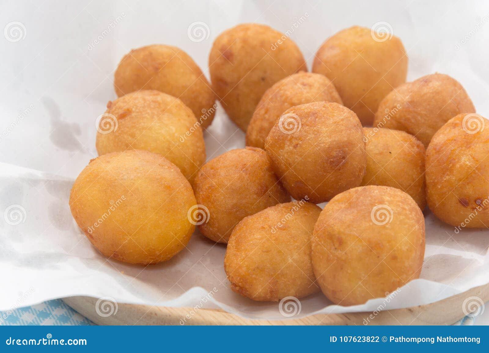 Fermez-vous de Fried Sweet Potato Balls