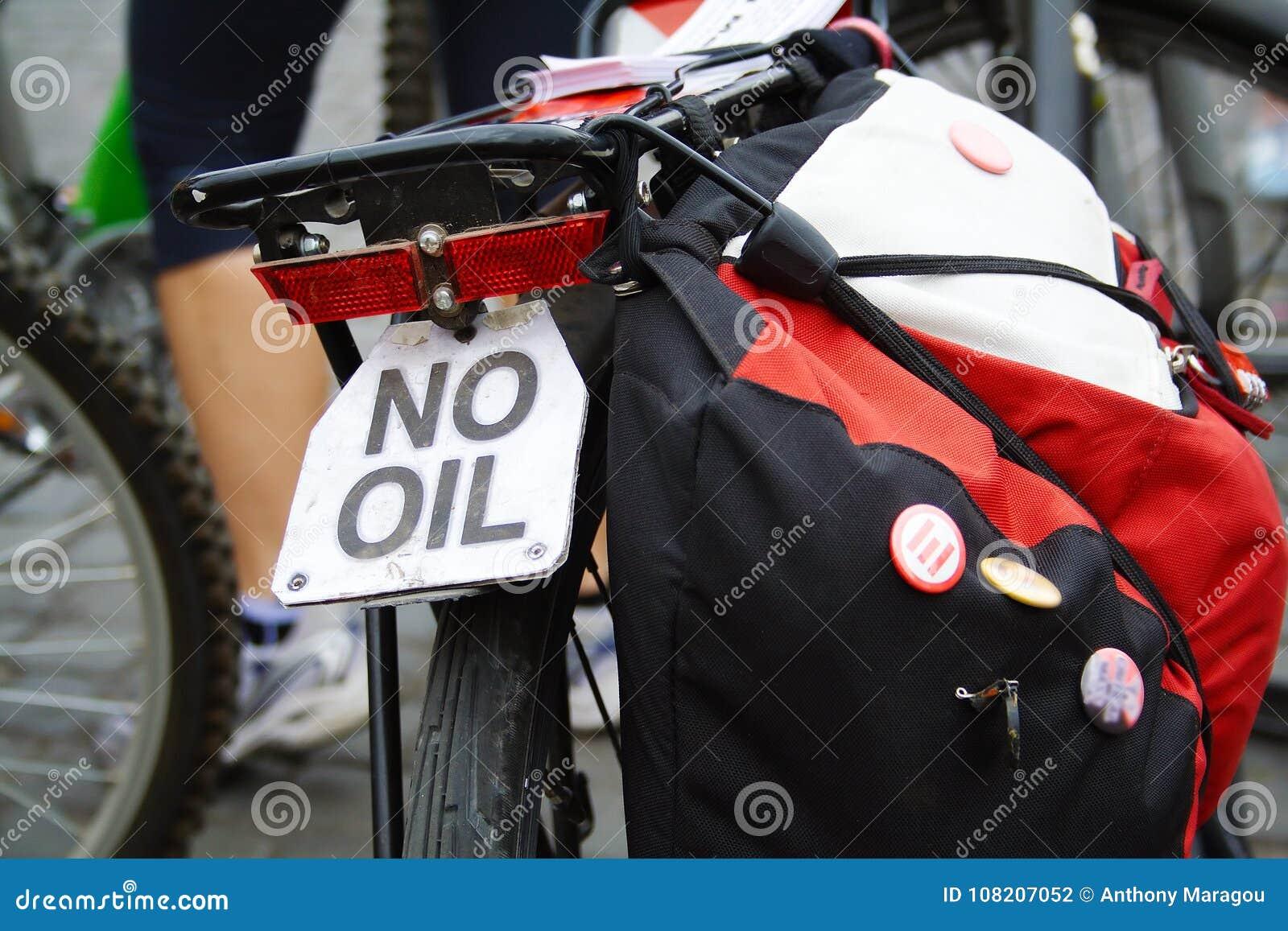 Fermez-vous de la bicyclette au desmonstration de la masse critique