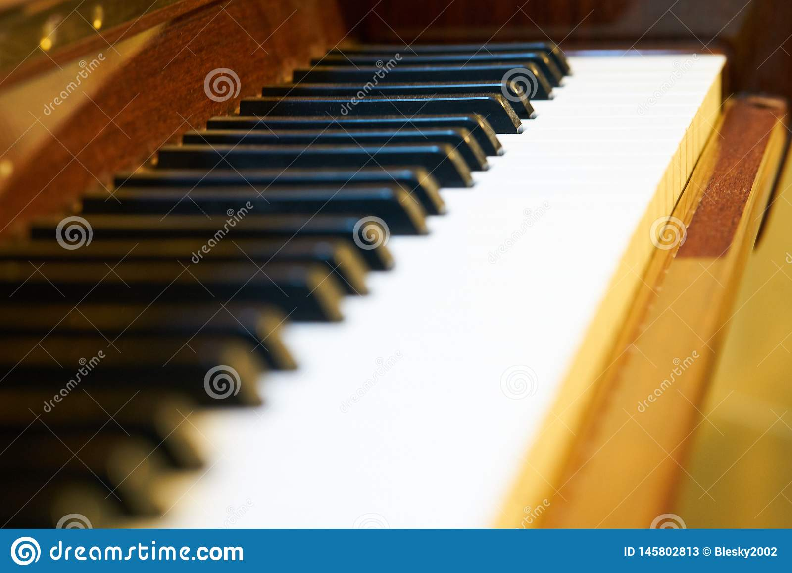 Fermez-vous du clavier de piano classique