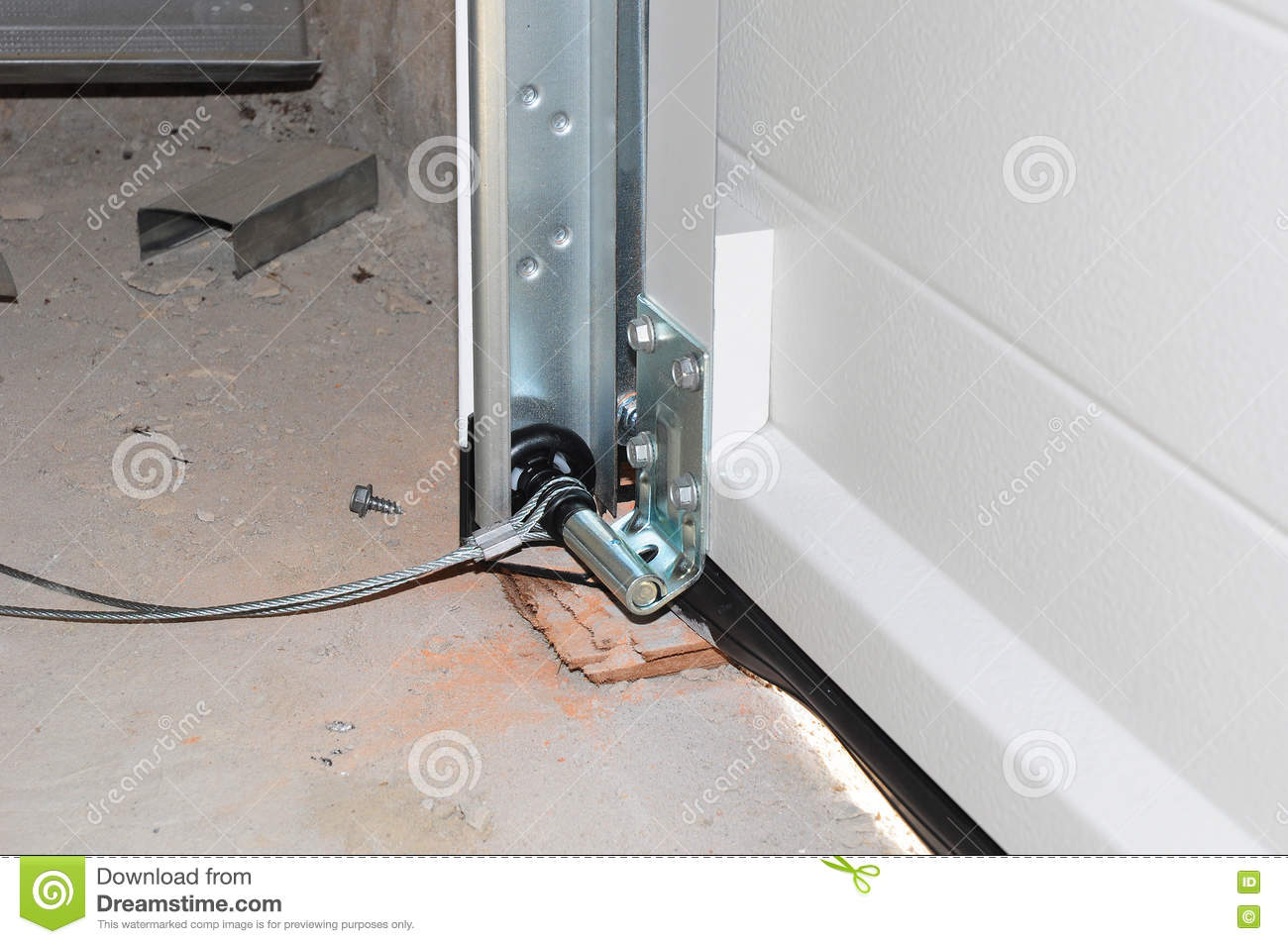 Fermez vous sur installer la porte de garage installation for Installation de porte