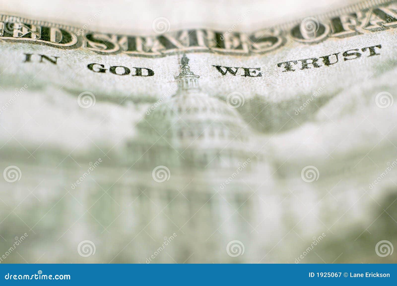 Fermez-vous vers le haut de l argent dans Dieu que nous faisons confiance