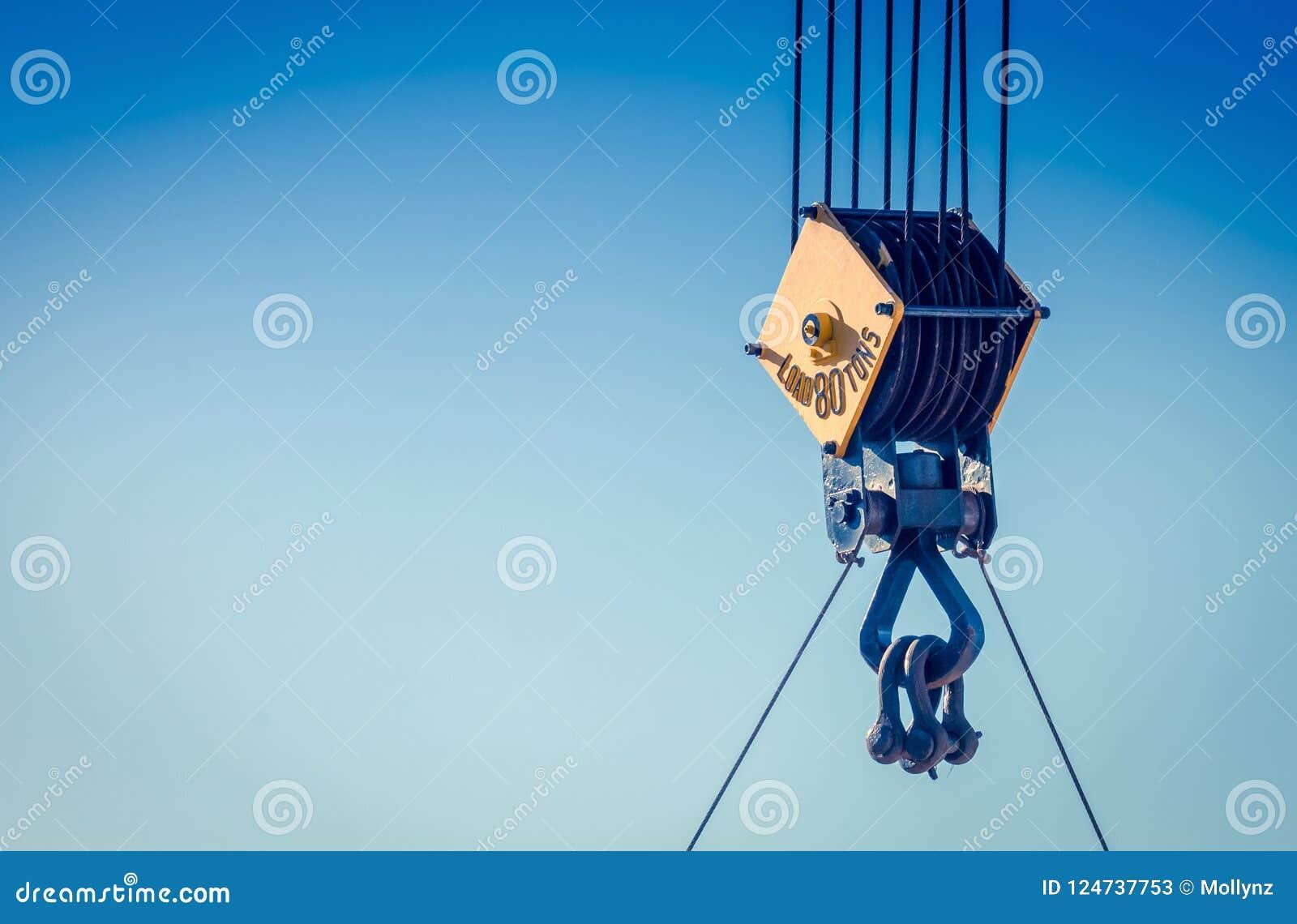 Fermez-vous vers le haut de l image d une poulie en acier de câble sur une grue