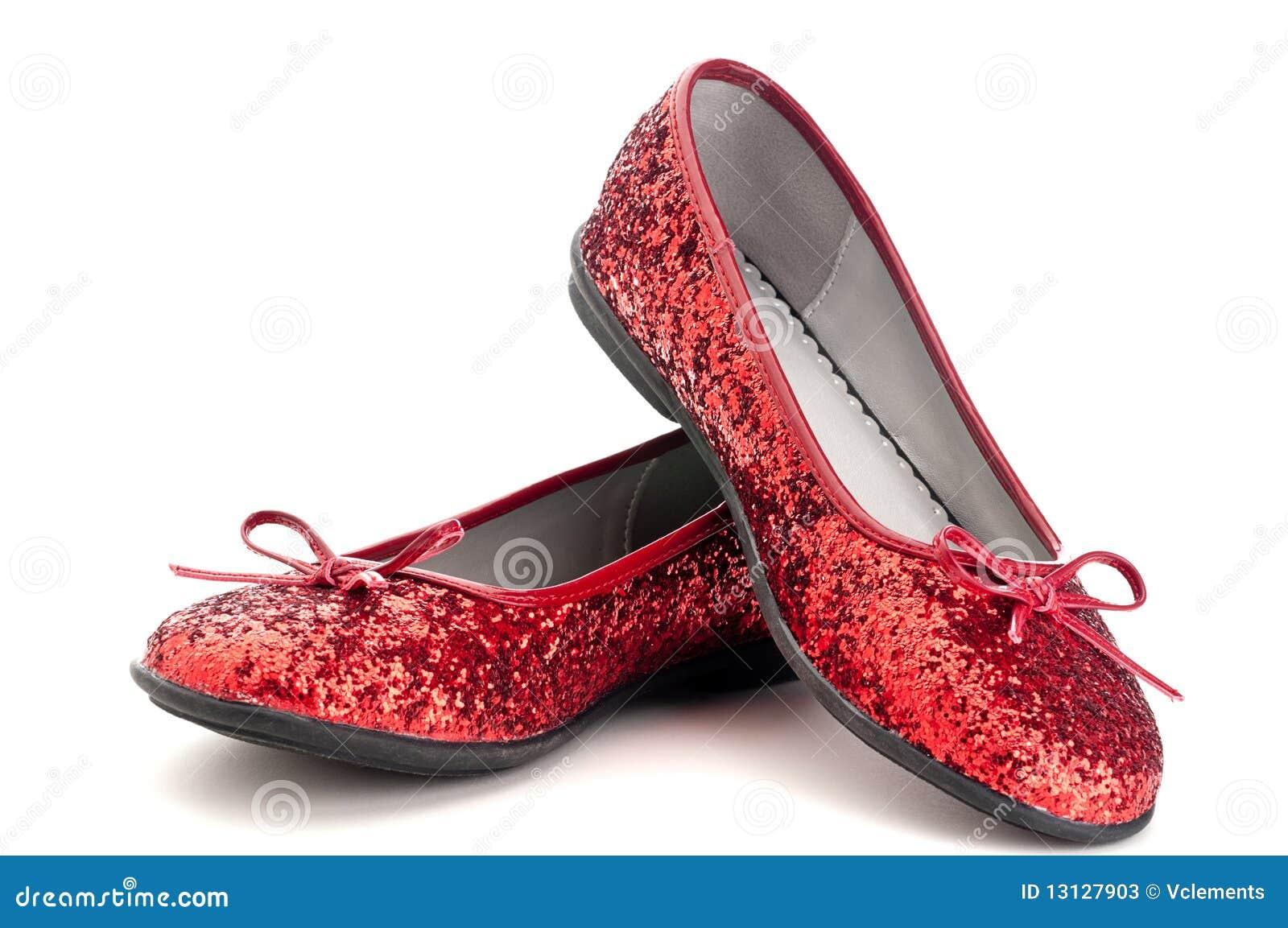 Fermez-vous vers le haut des chaussons rouges de pétillement