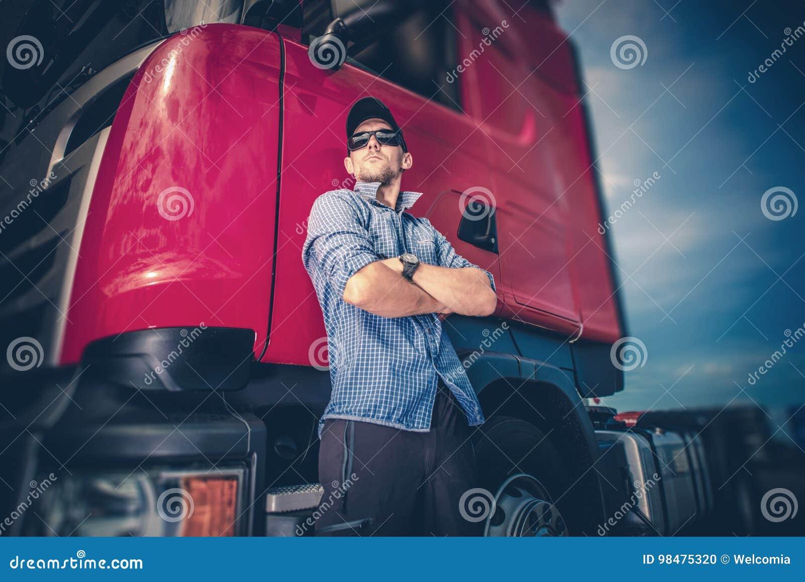 Fernlastfahrer und seiner tauschen halb