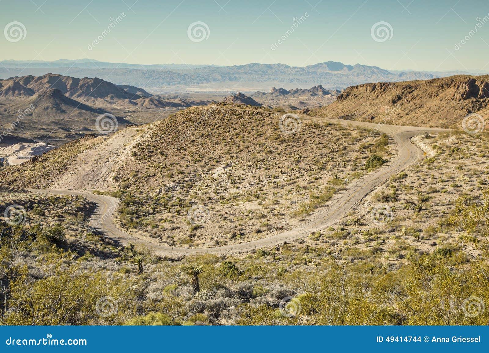 Download Fernteil von Route 66 stockfoto. Bild von kurve, szene - 49414744