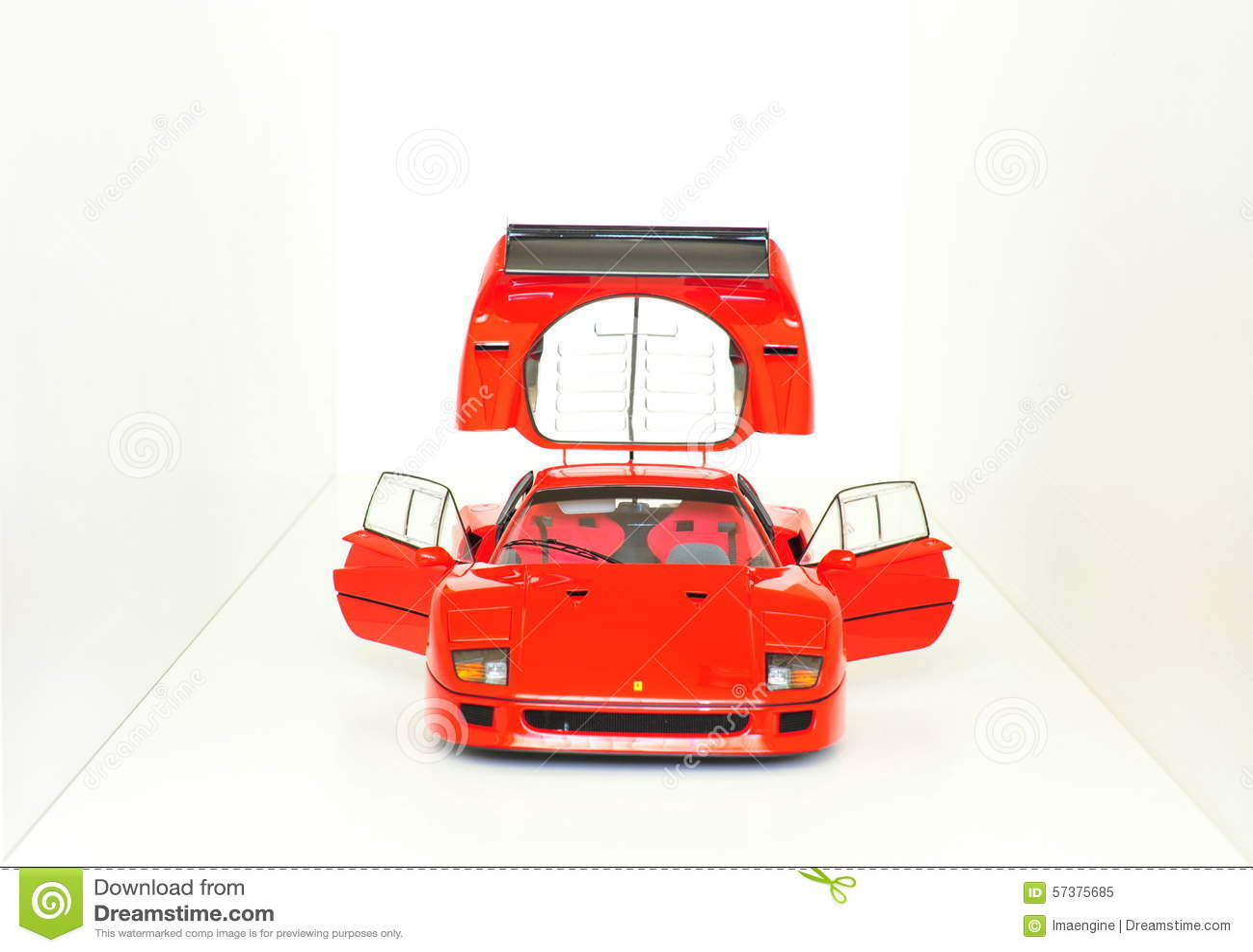 Ferrari F40 Le Mans - open deuren en motorkap