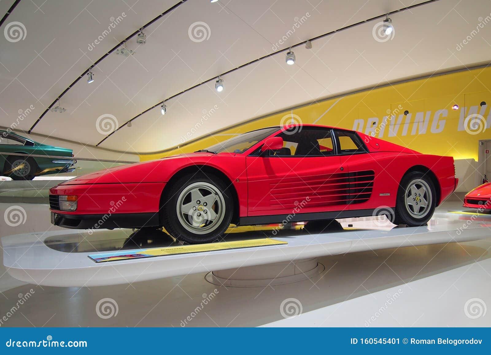 Ferrari Testarossa Im Museum Enzo Ferrari In Modena Italien Redaktionelles Foto Bild Von Industrie Ausstellung 160545401