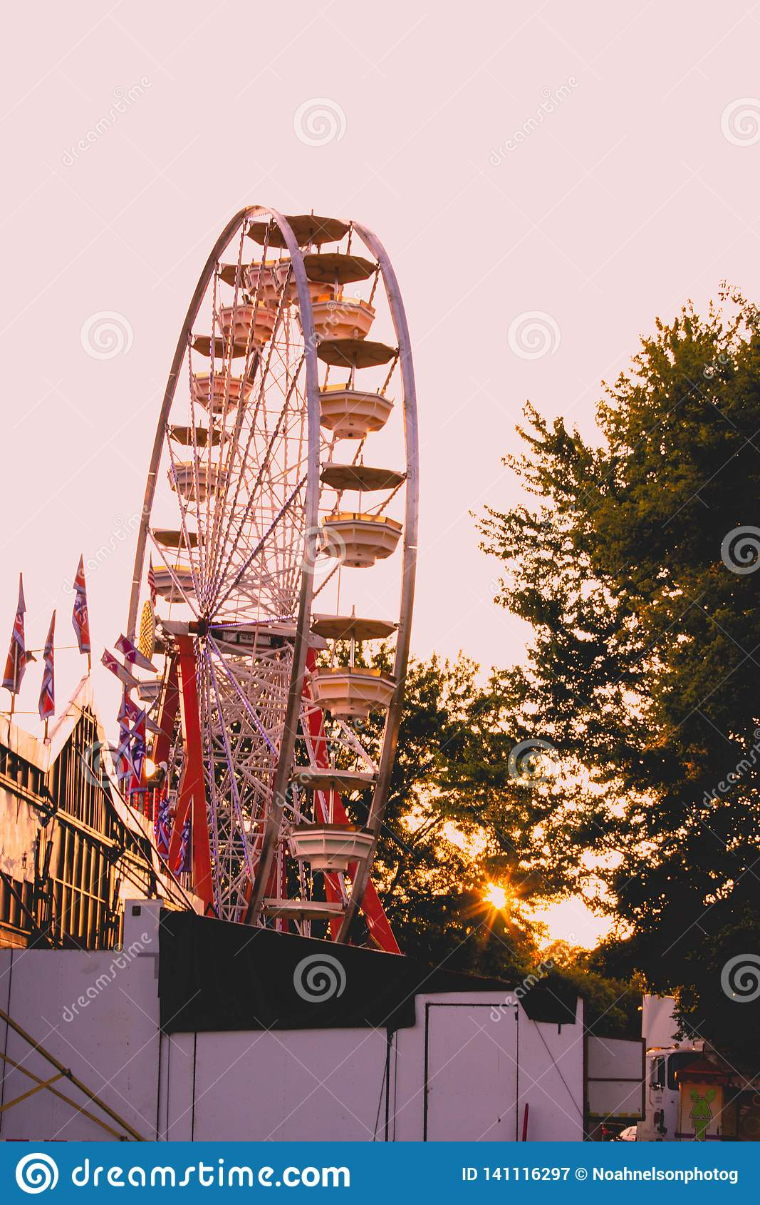 Ferris Wheel do lado