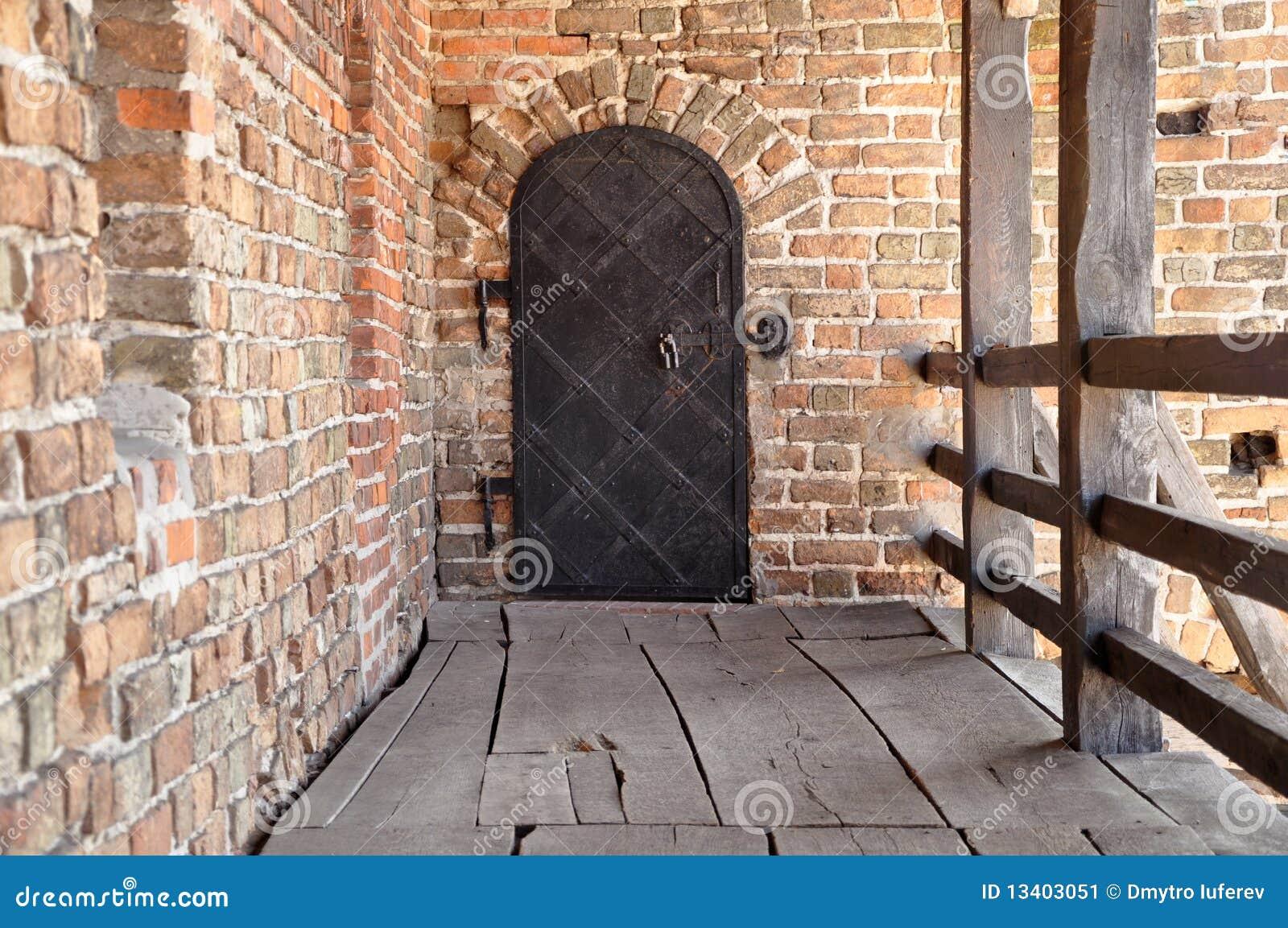 Ferrous gammalt för dörr