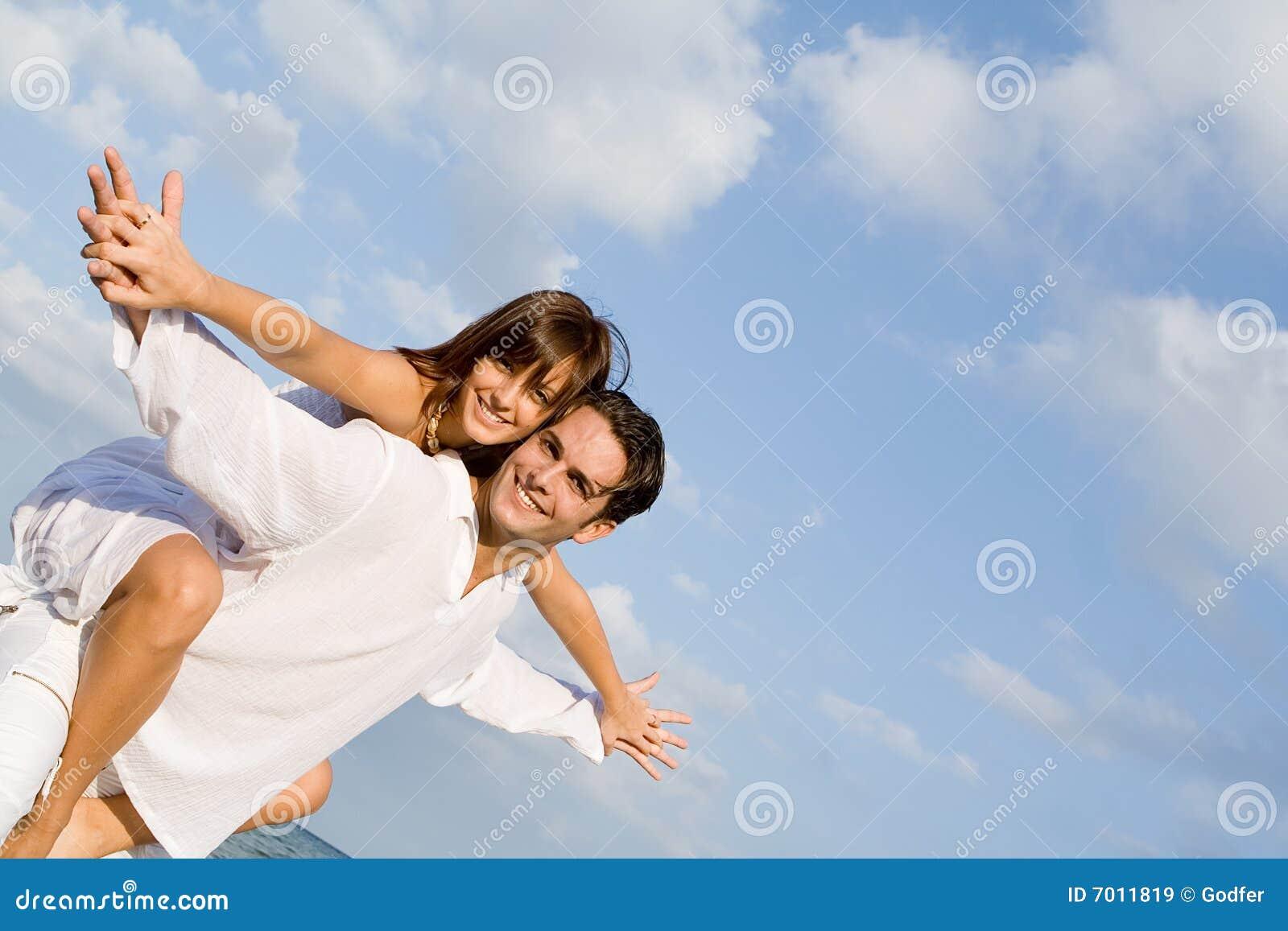 Ferroutage heureux de couples