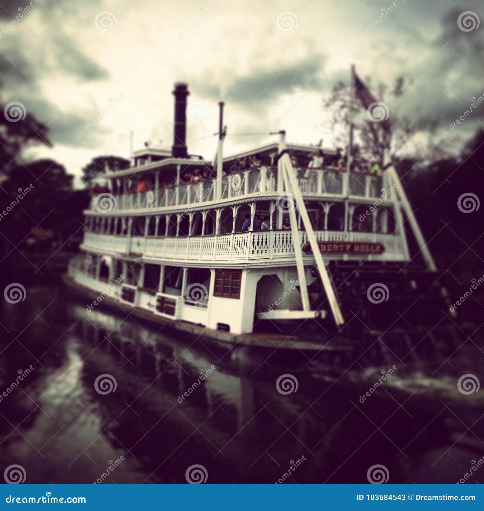 Ferry magique de ` de Liberty Belle de ` de royaume du ` s de Disney