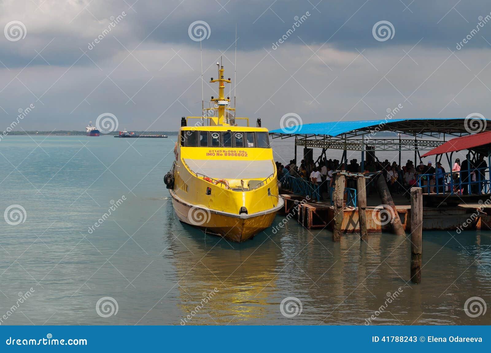 Dumai Indonesia  city photo : DUMAI, INDONESIA DEC 21, 2013: Ferry Melaka Dumai in Dumai Port ...