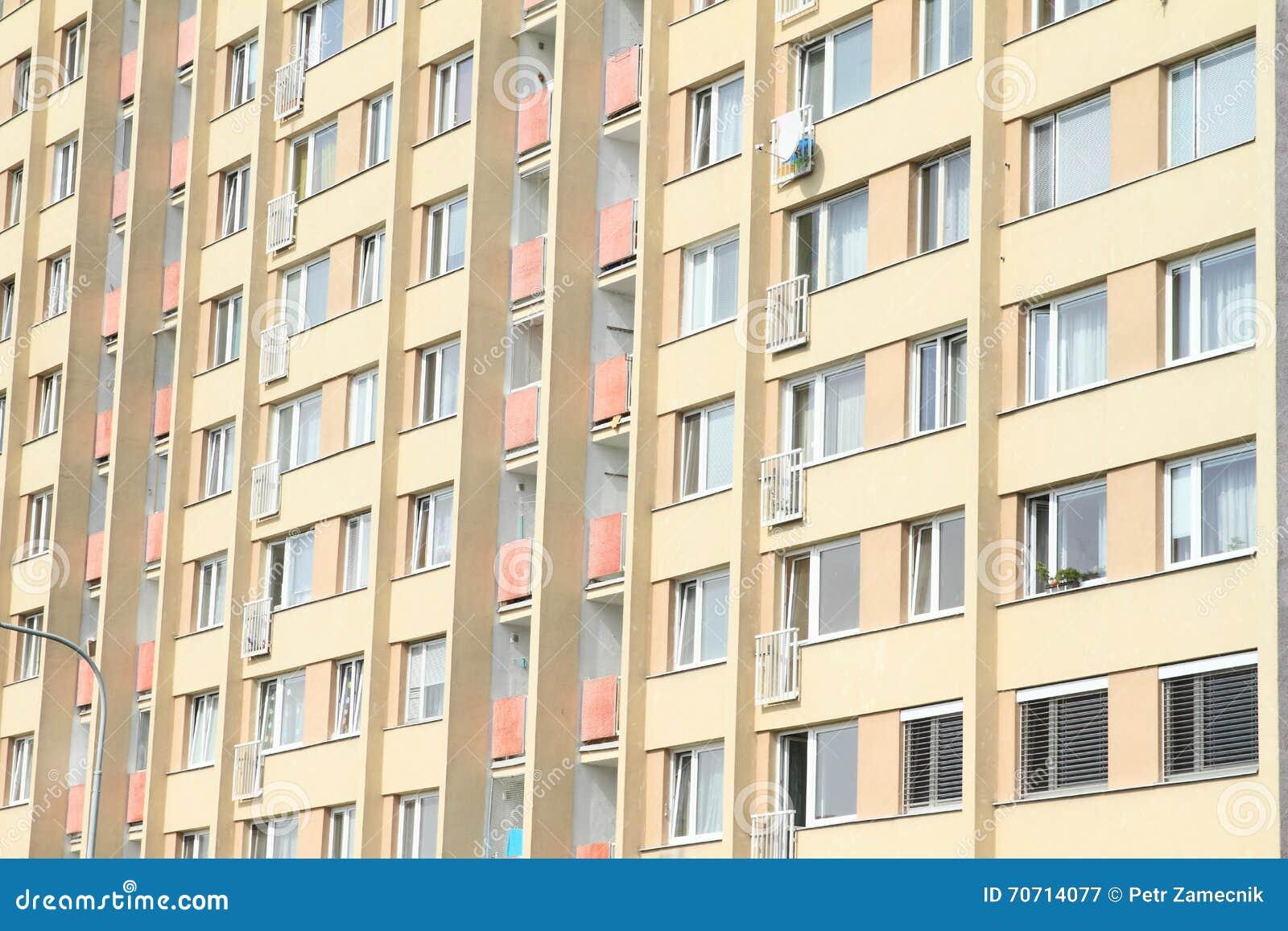 Fertighaus Stockbild Bild Von Fertighaus Gelb Tschechisch 70714077