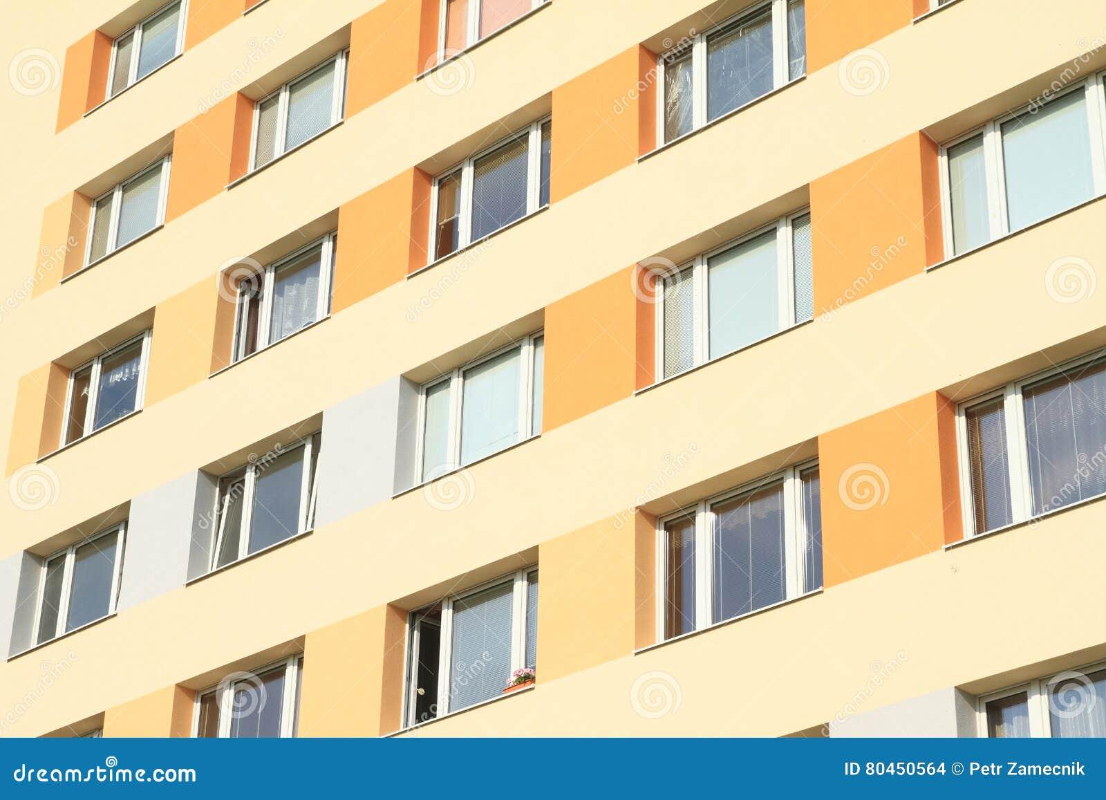 Fertighaus Stockfoto Bild Von Gelb Gebaude Tschechisch 80450564