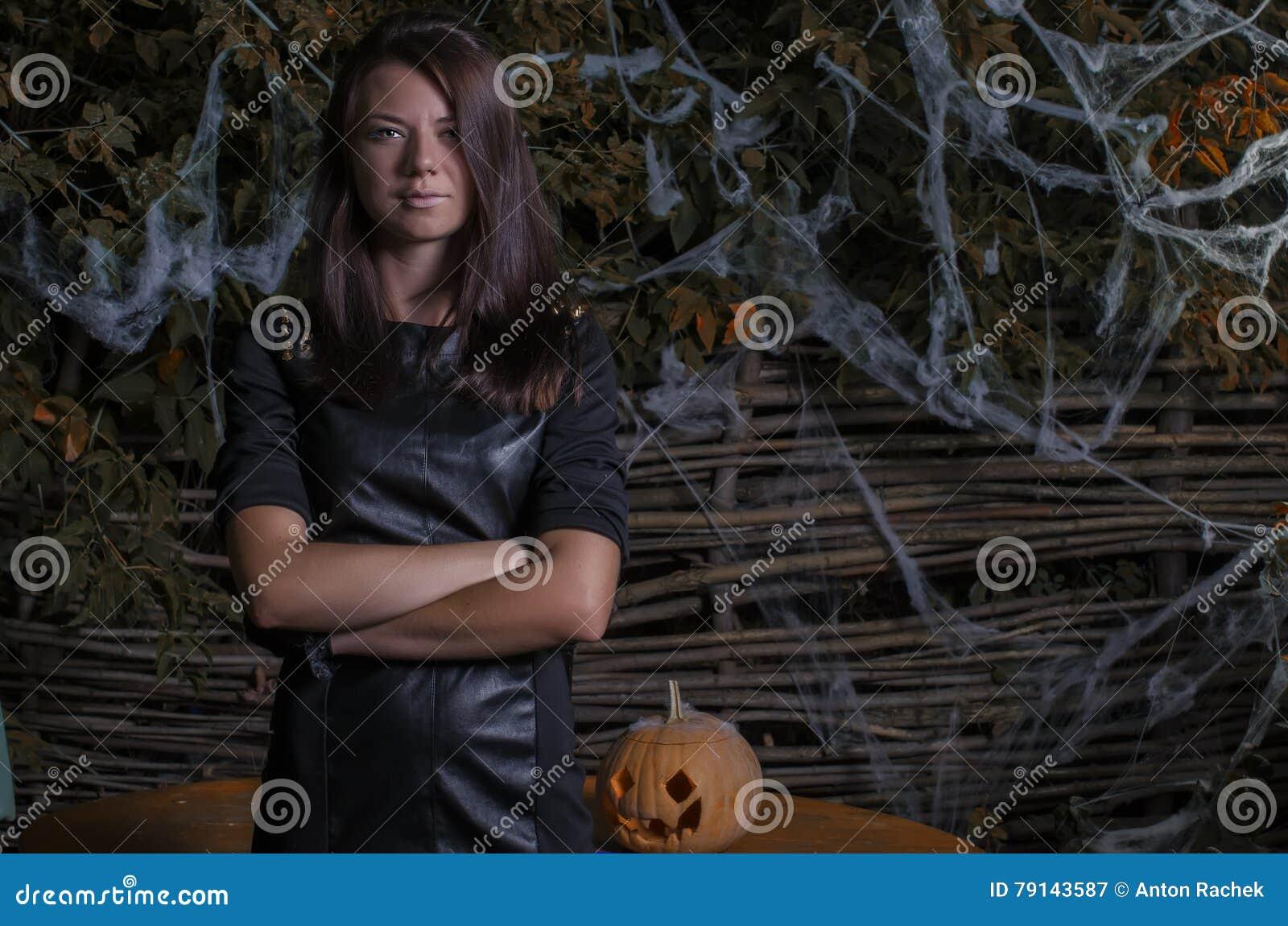 Festa Halloween sulla via alla notte