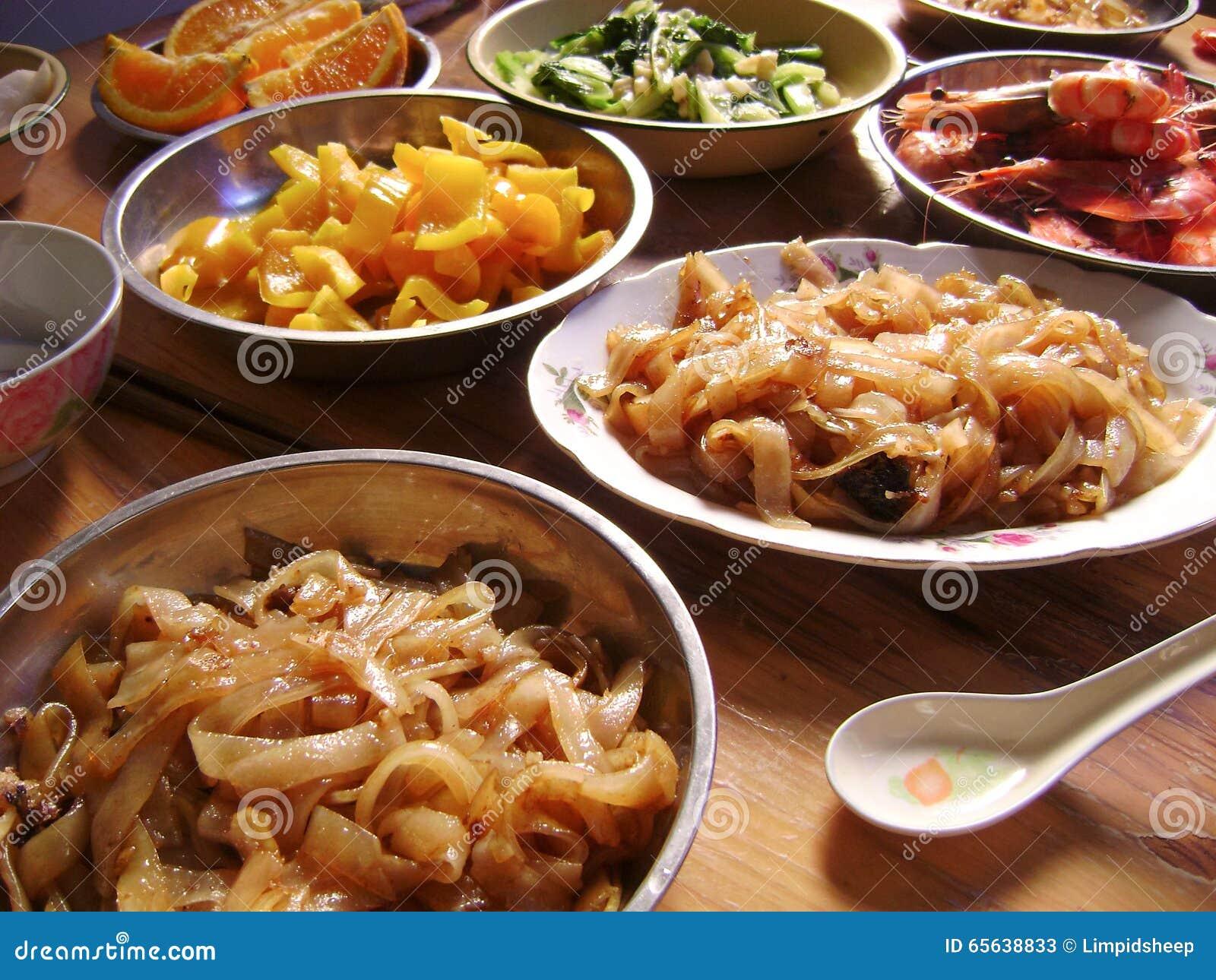 Festin thaïlandais de dîner de protection asiatique
