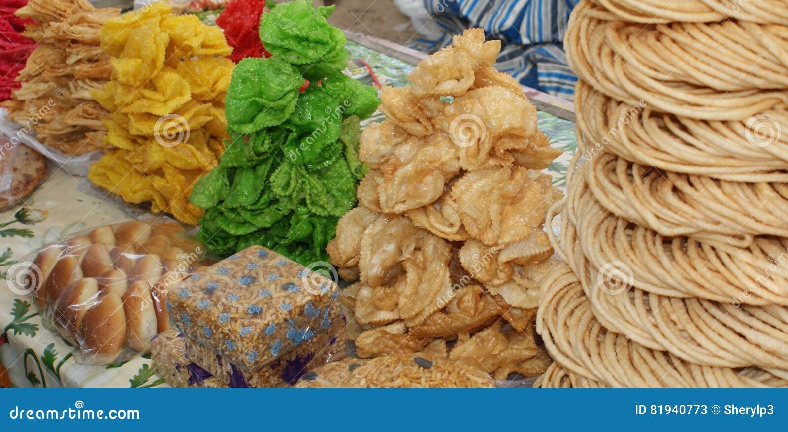Festins mielleux sur un marché dans l Ouzbékistan