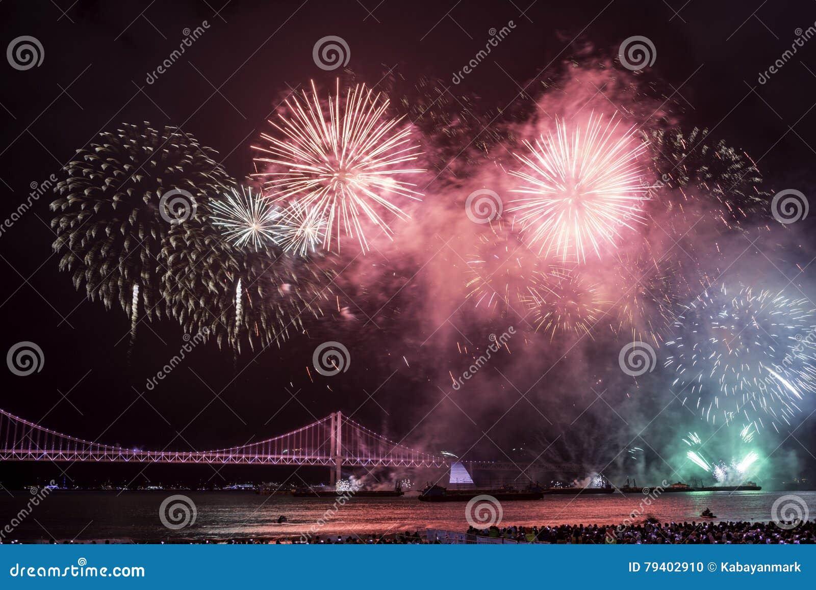 Festival 2016 de feux d artifice de Busan - pyrotechnie de nuit